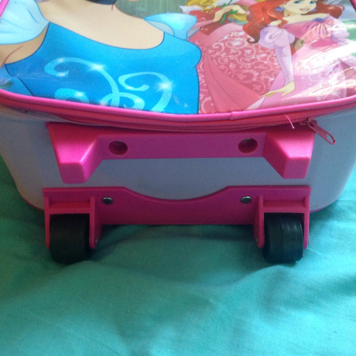 9e979c92ead Child s princess suitcase in HP2 Dacorum for £10.00 for sale - Shpock