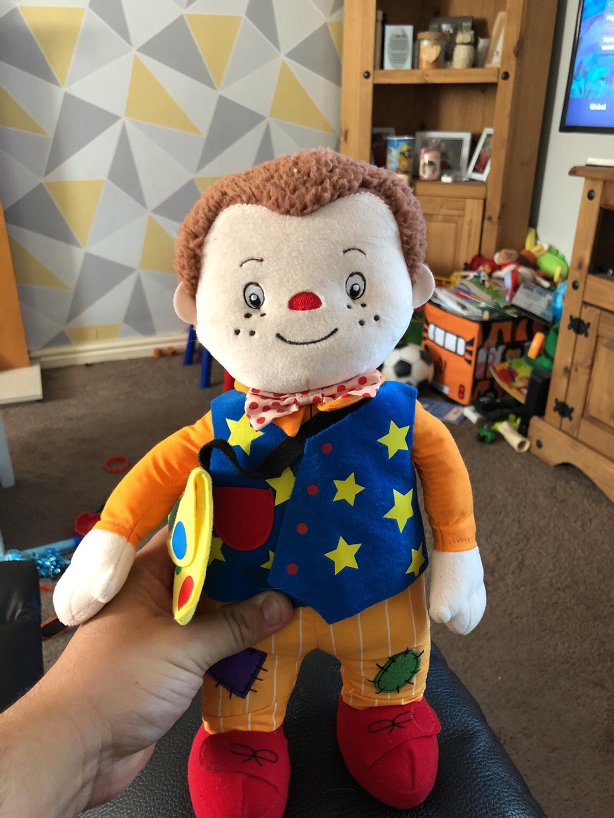 Something Special Sing Along with Mr Tumble Soft Plush Toy with Sound /& Movement