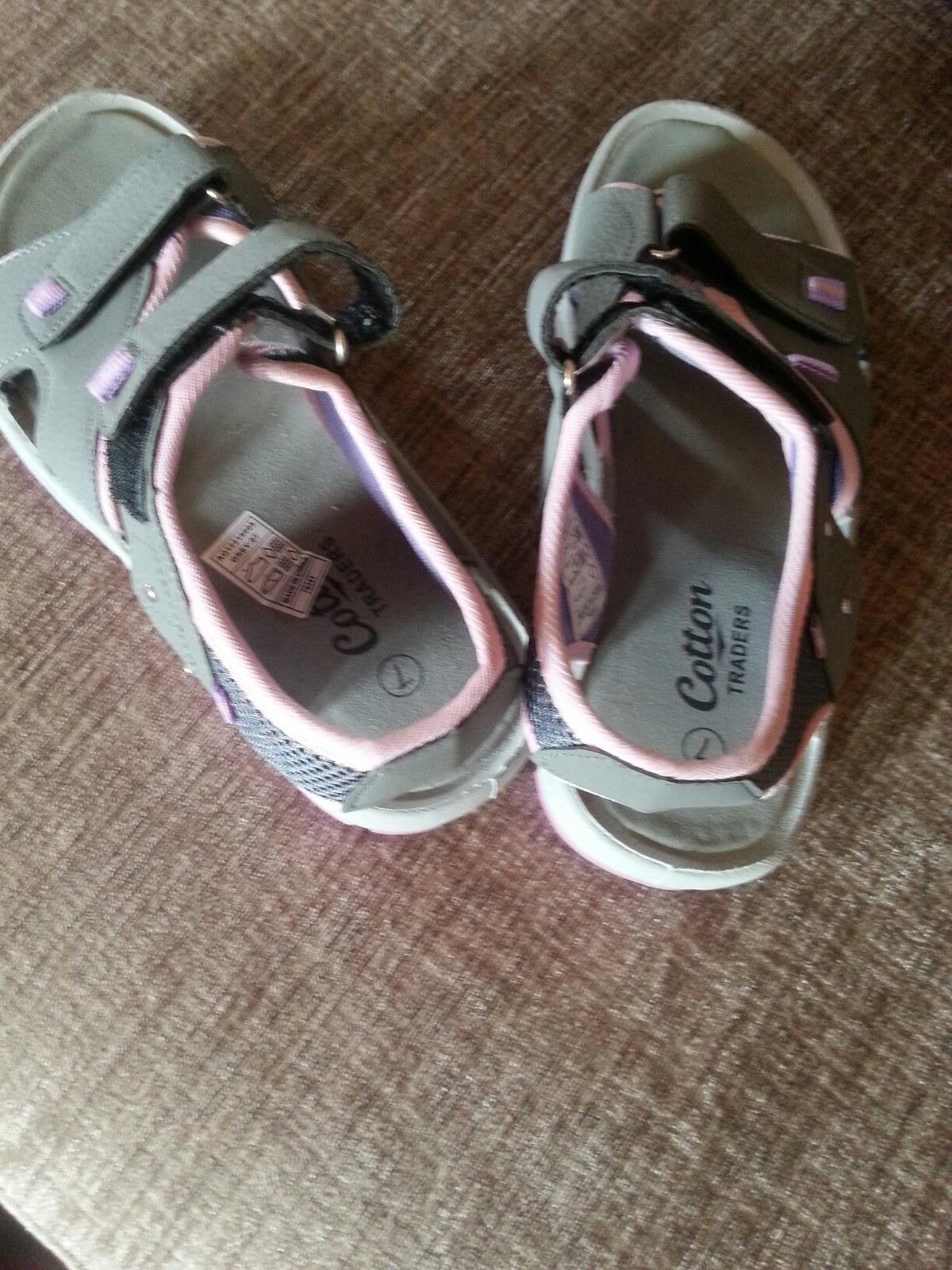 ec14c6e149d COTTON TRADERS SANDALS £1.50 in DY9 Dudley for £1.50 for sale - Shpock