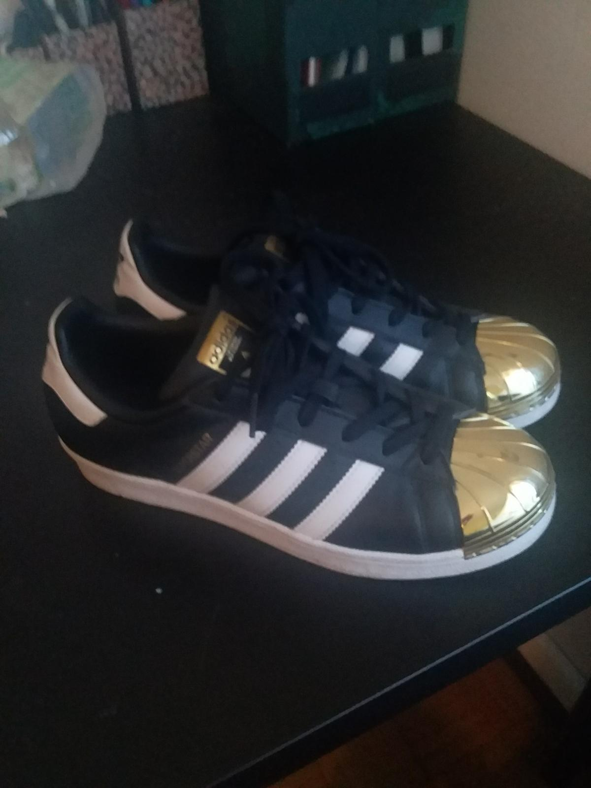 adidas superstar nero and bianca size 3