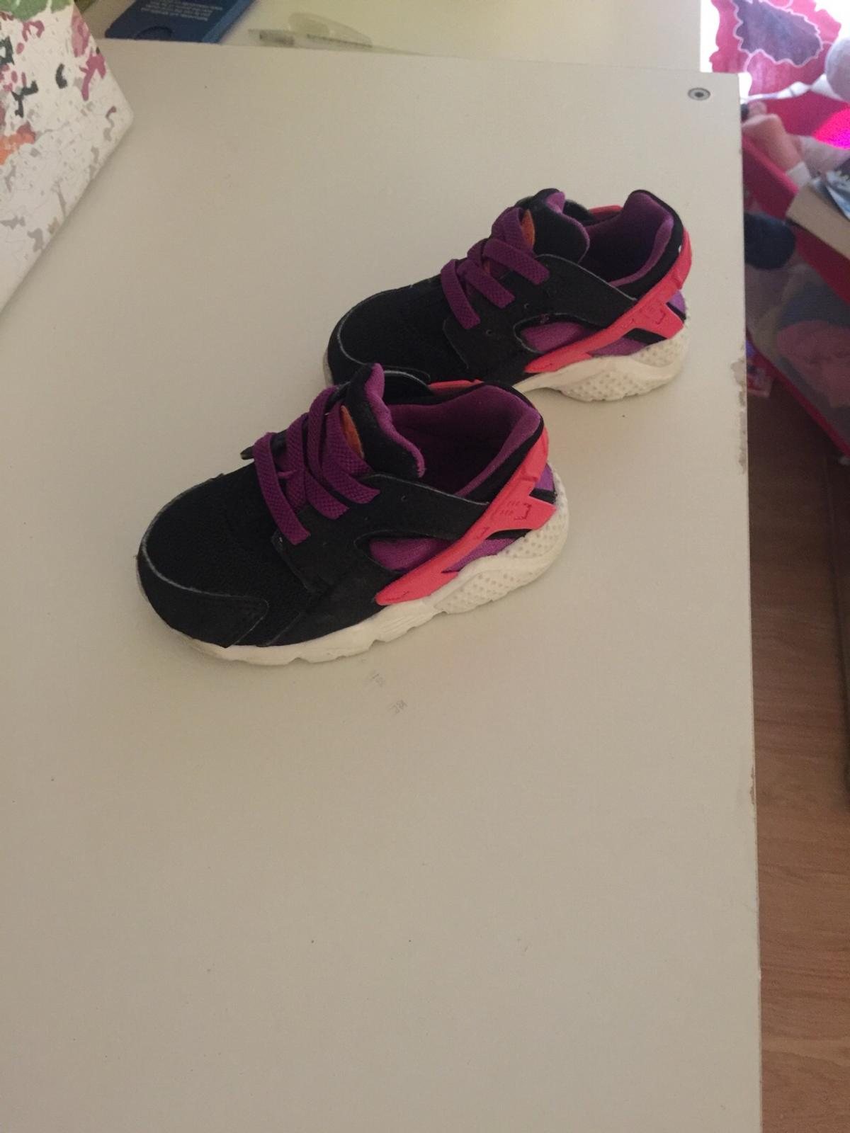 becae156b4b0 Pink and purple Nike huaraches in London for £5.00 for sale - Shpock