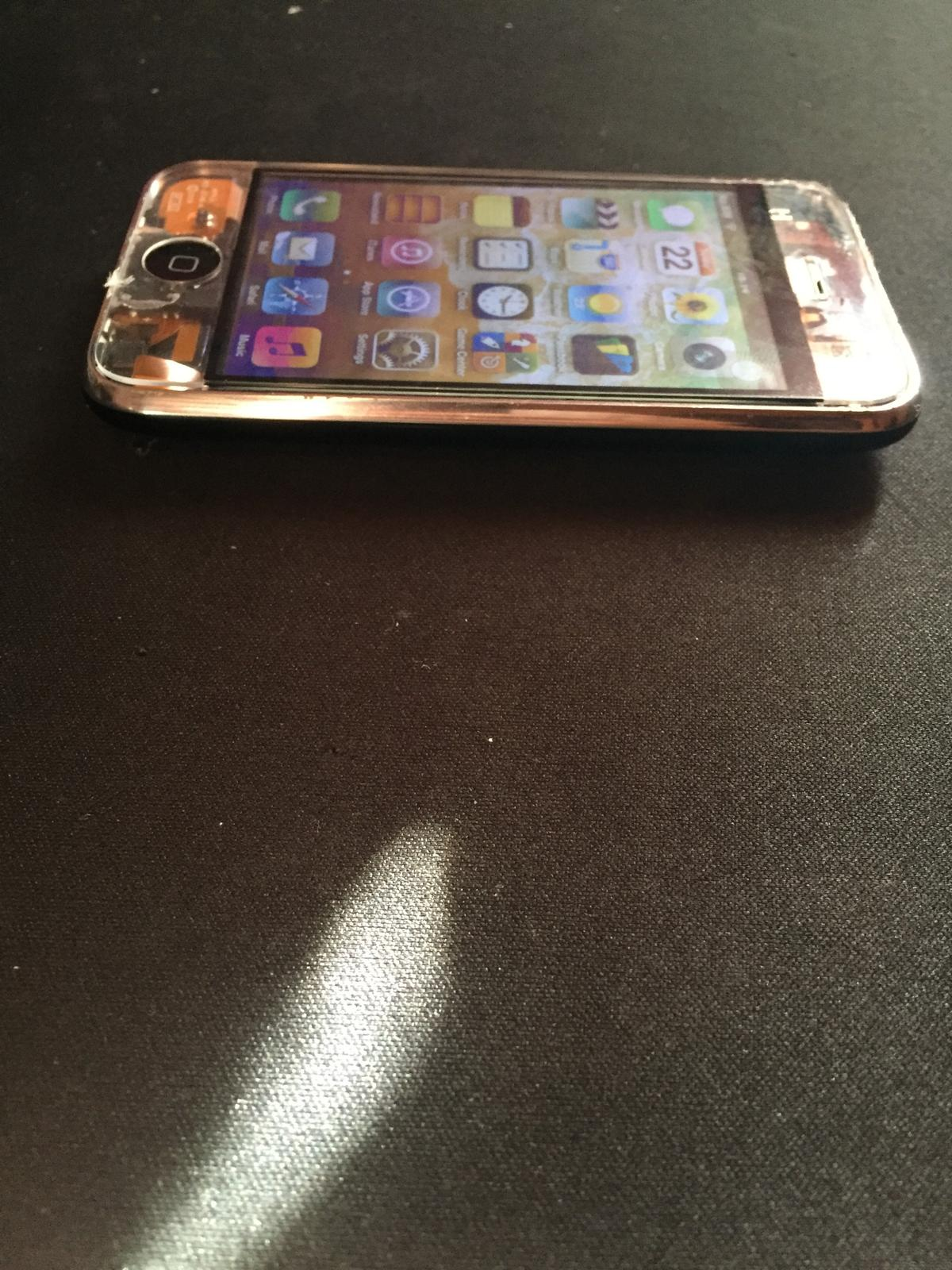 Iphone 3GS 16GB O2 MODDED in Harrogate for £15 00 for sale