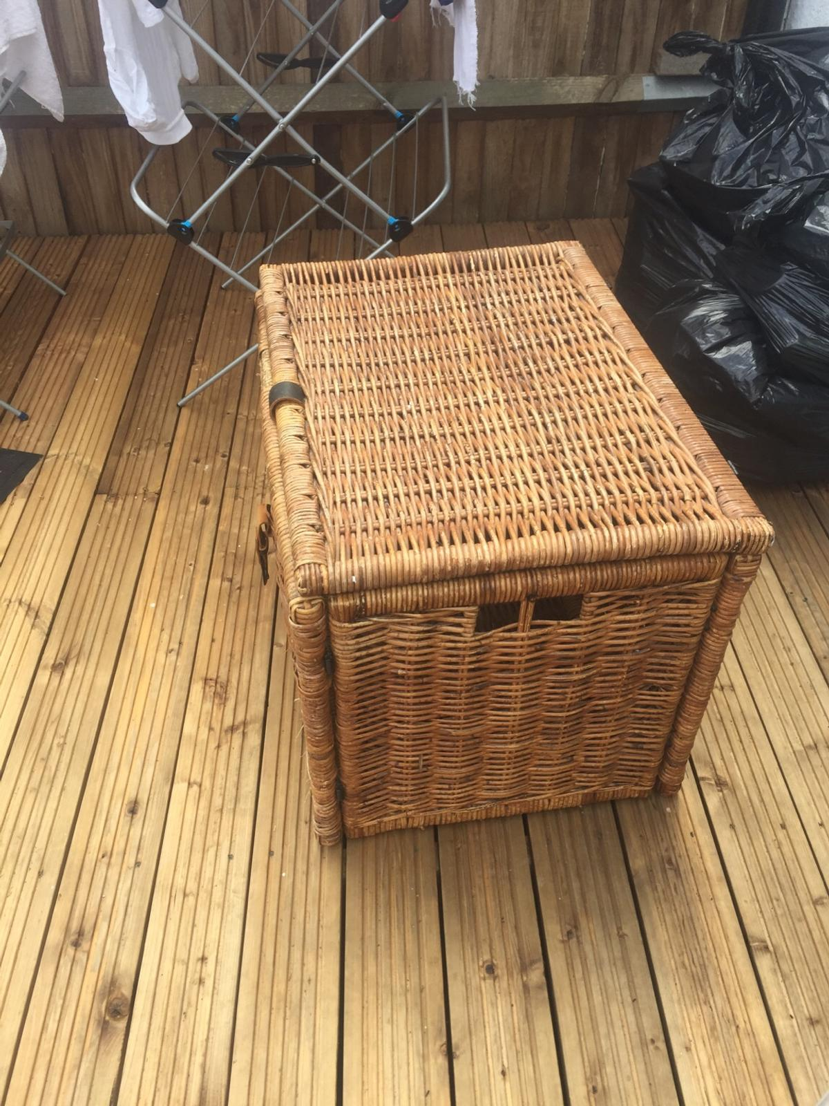 Large Ikea Wicker Storage Box In Sw20 London Borough Of Merton For 15 00 For Sale Shpock