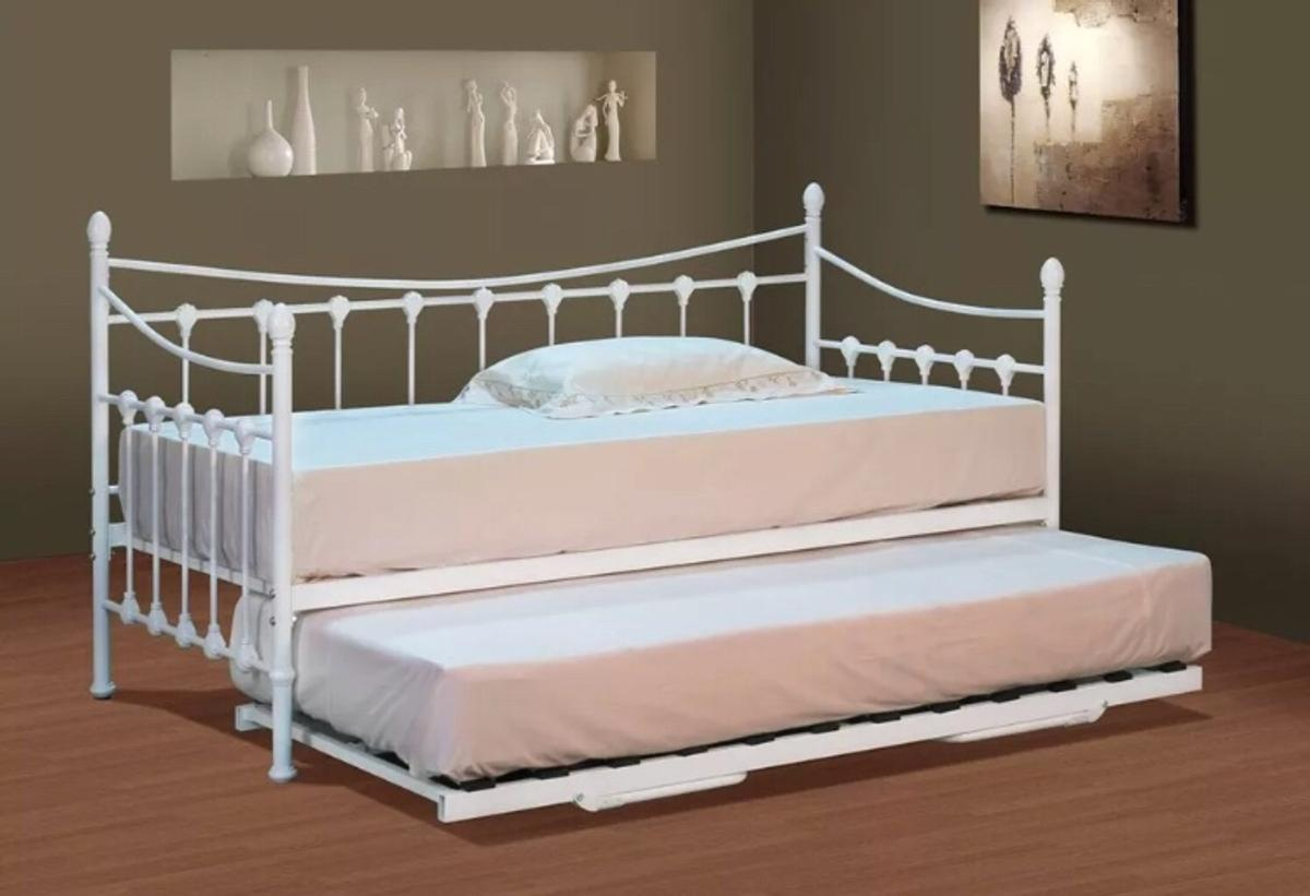 - Single Metal Day Bed With Pull Out Trundle In PR2 Preston Für 75