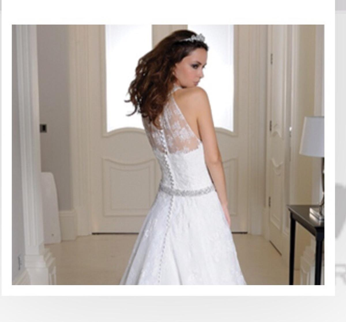 half price later sale retailer New wedding dress in NN6 Kettering for £600.00 for sale - Shpock