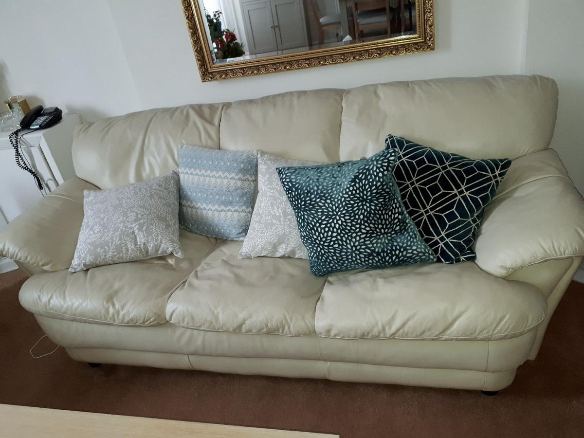 - Cream Leather Sofa Set In W14 Fulham For Free For Sale Shpock