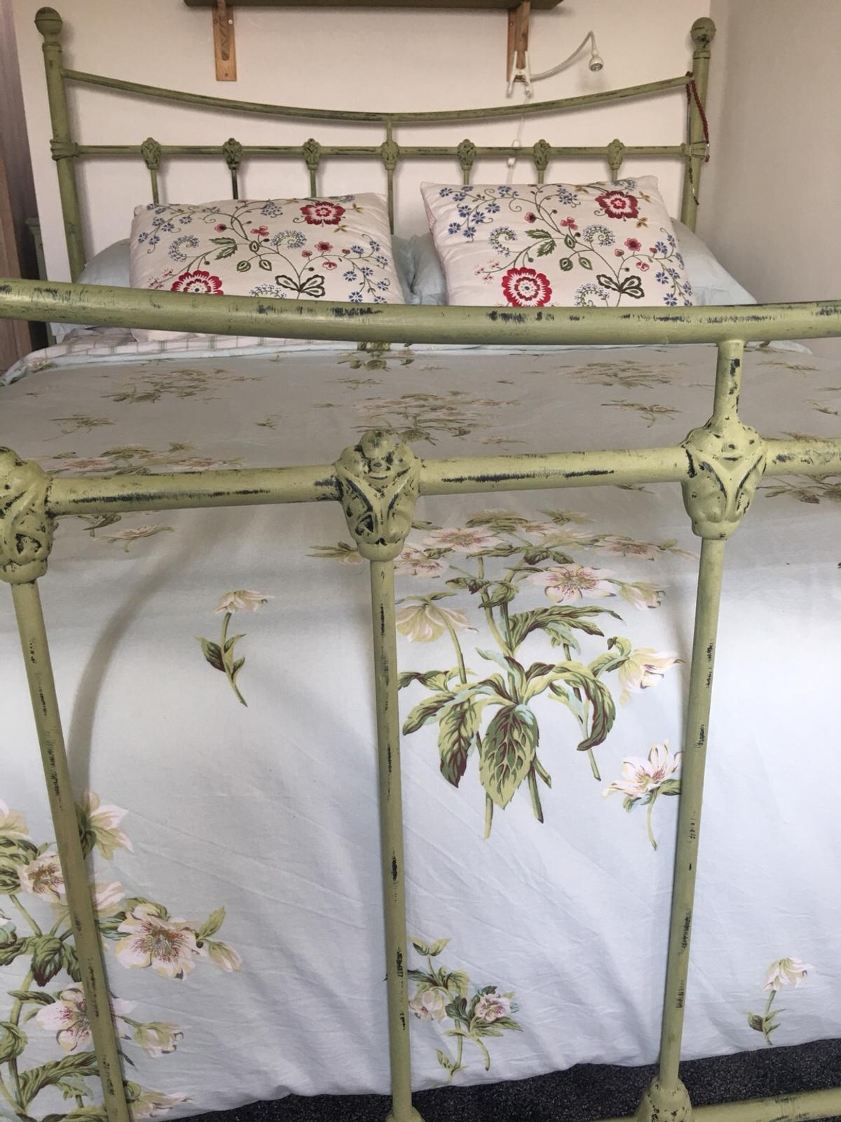 Shabby chic king size metal bed frame in Bradford for £45 ...