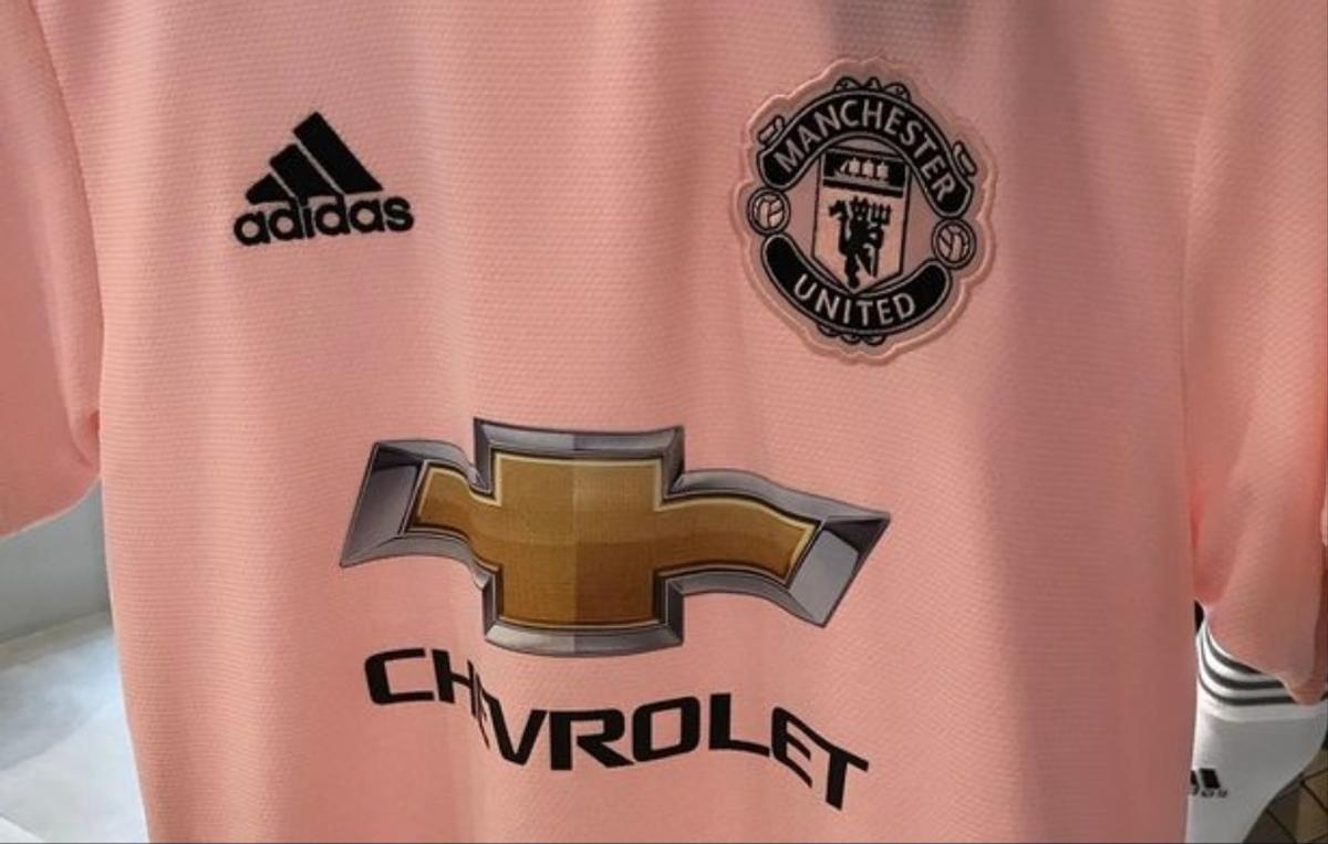 promo code 25be6 7de76 MANCHESTER UNITED NEW AWAY PINK SHIRT POGBA