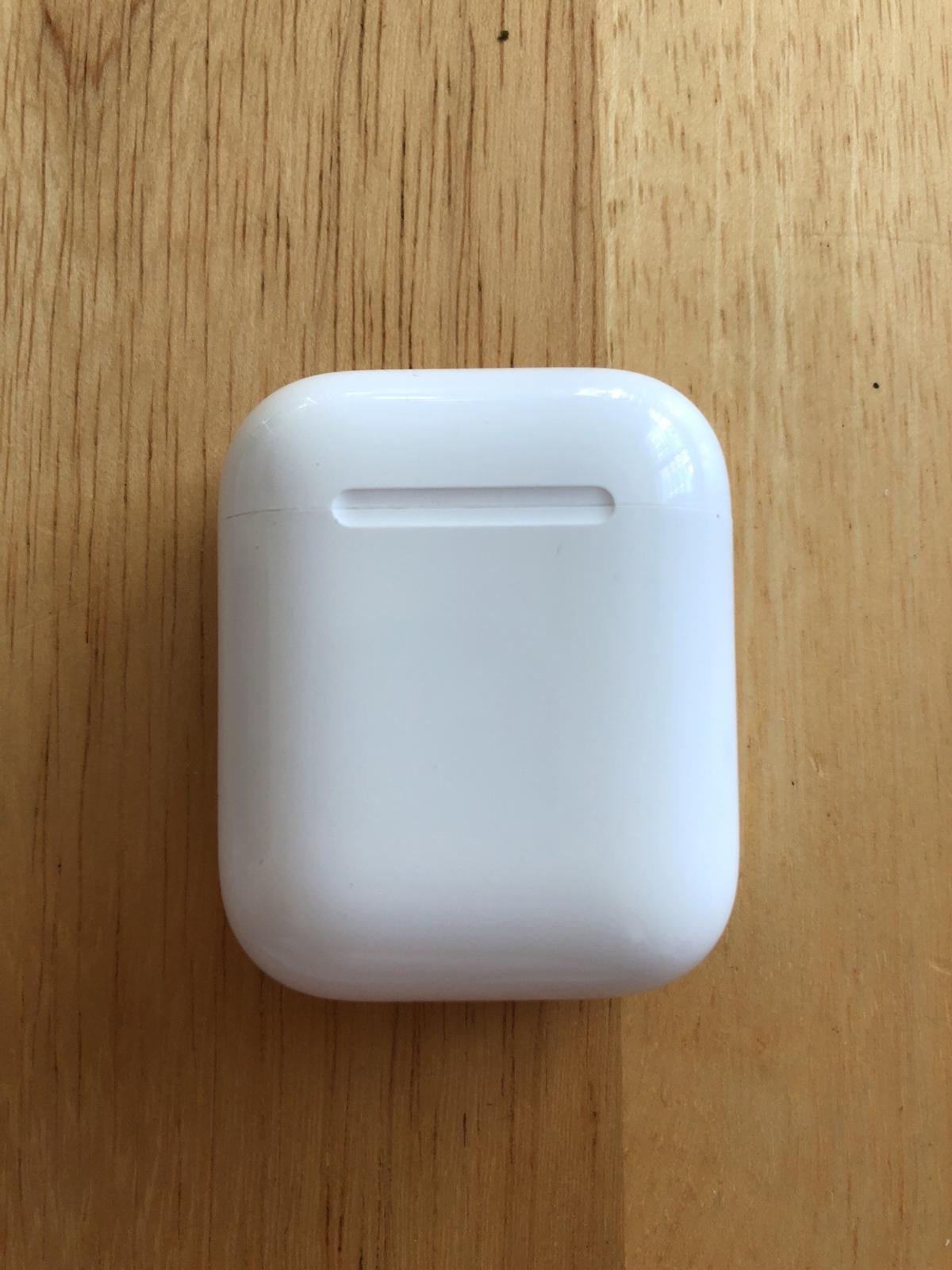 the latest 36e12 e8e53 Apple AirPods charging box only