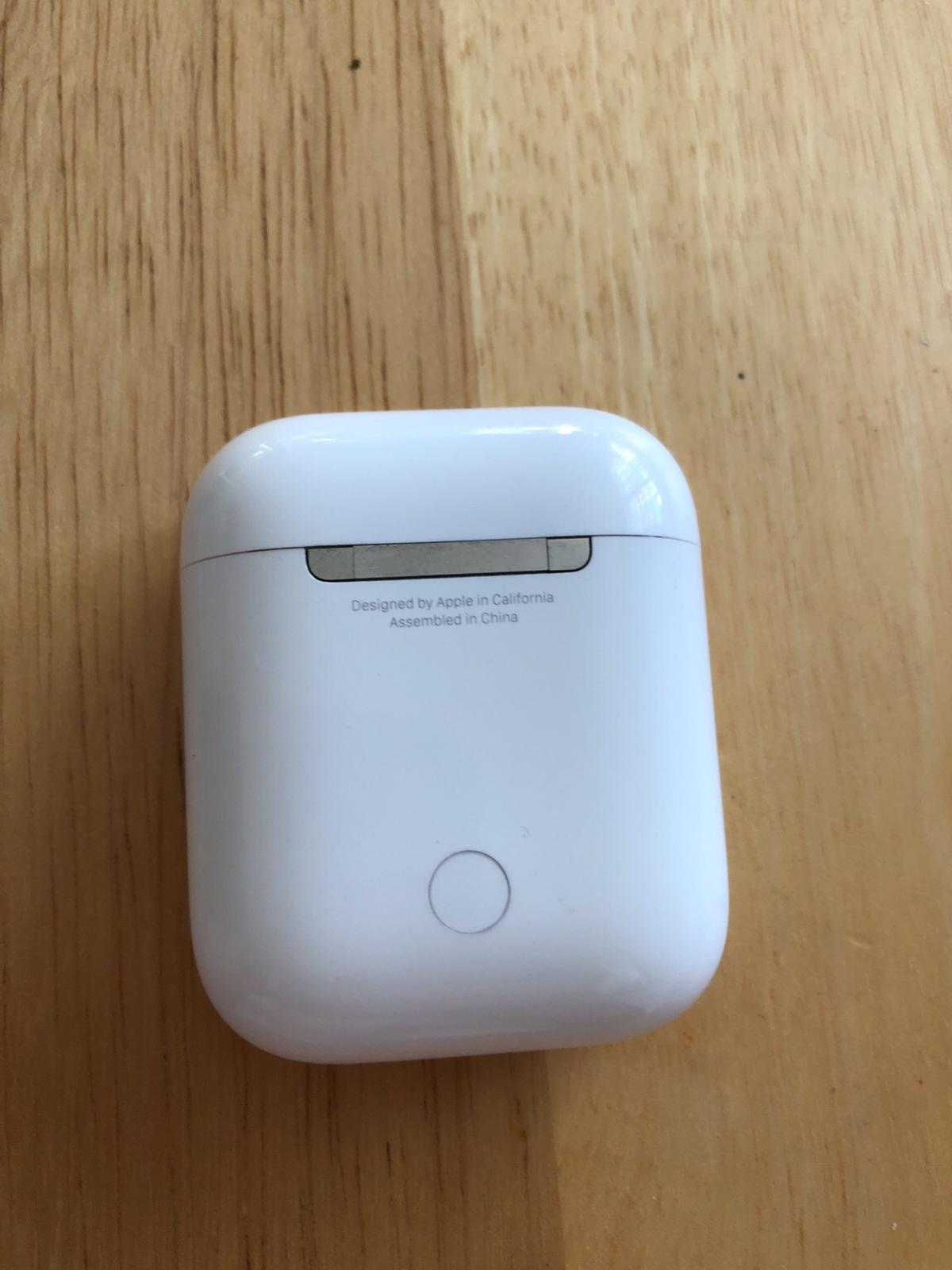 the latest c9759 0929d Apple AirPods charging box only