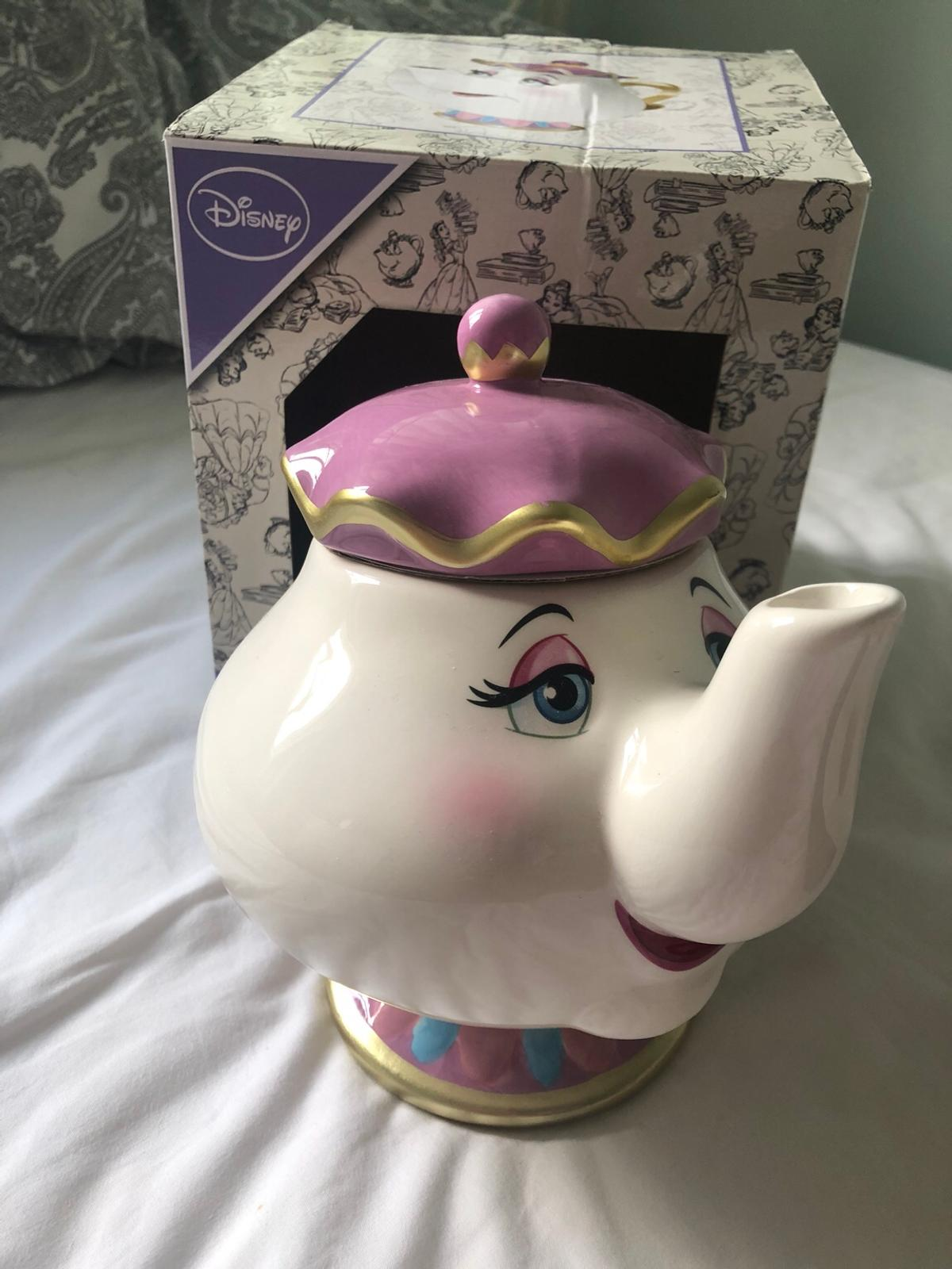SOLD OUT. Super hard to find teapot! Took me months to find this however I just cannot see me using. Never been used.