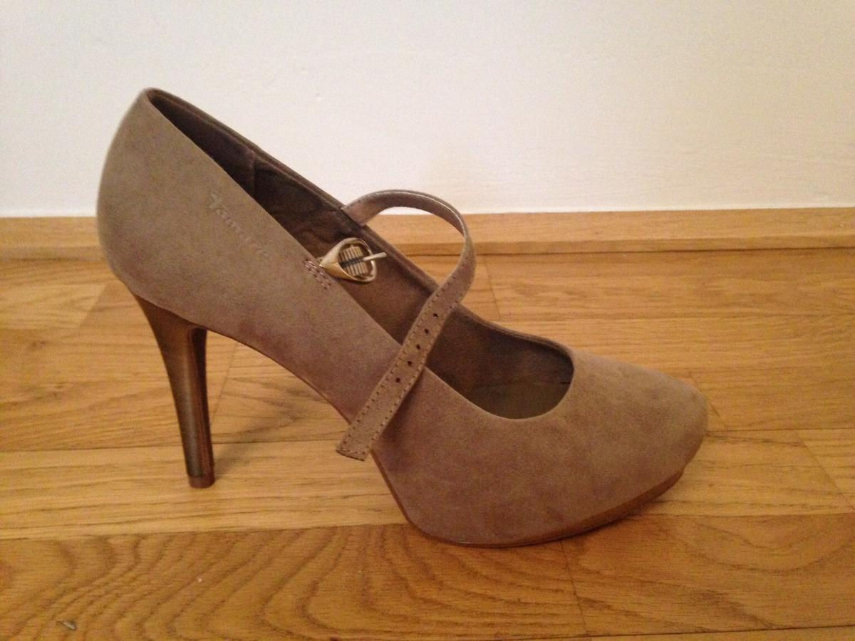 Tamaris Pumps taupe Gr 39 in 6020 Innsbruck for €20.00 for