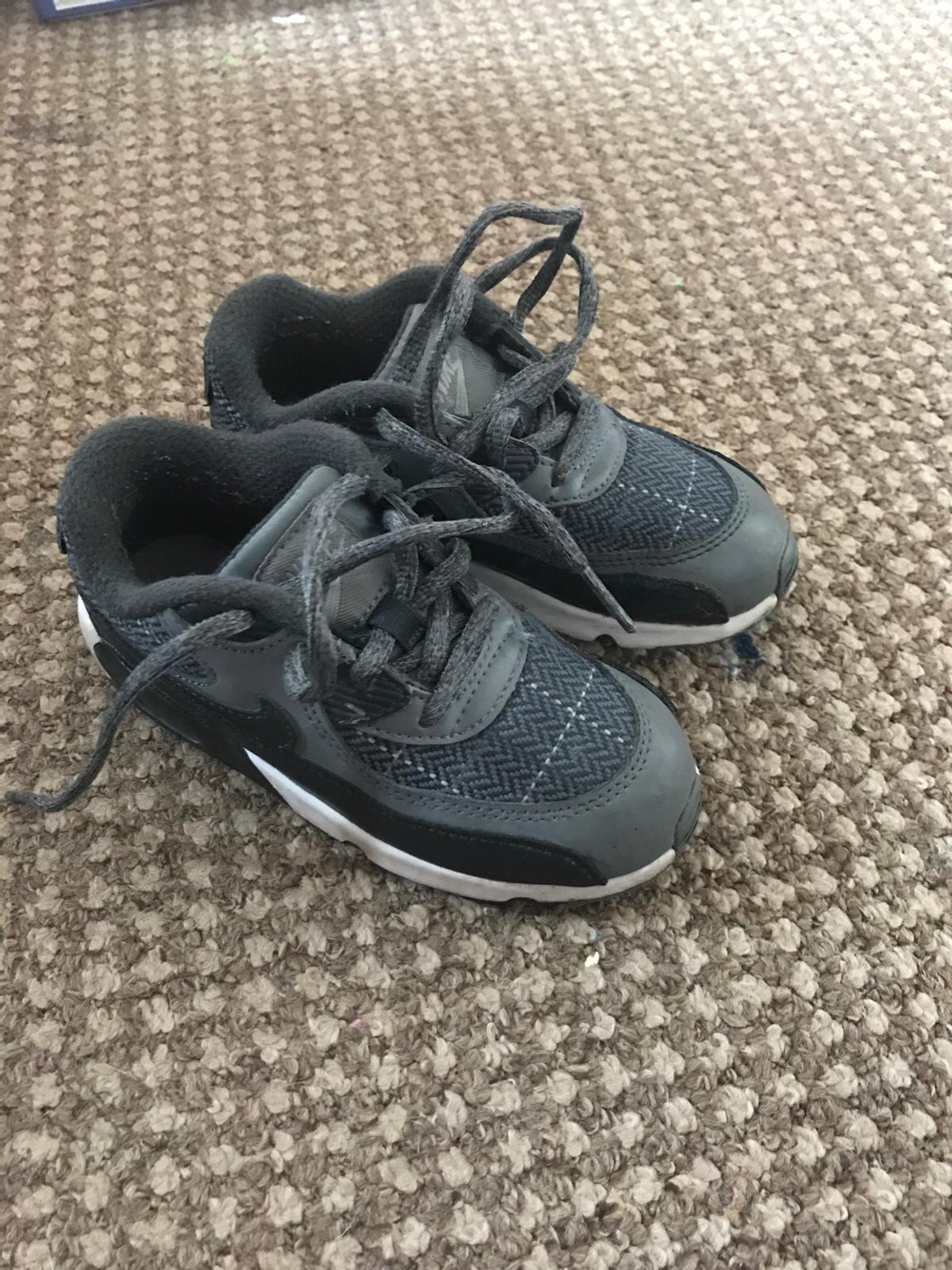 3cdc075b4533e Nike air max 90 kids trainers in Harborough for £15.00 for sale - Shpock