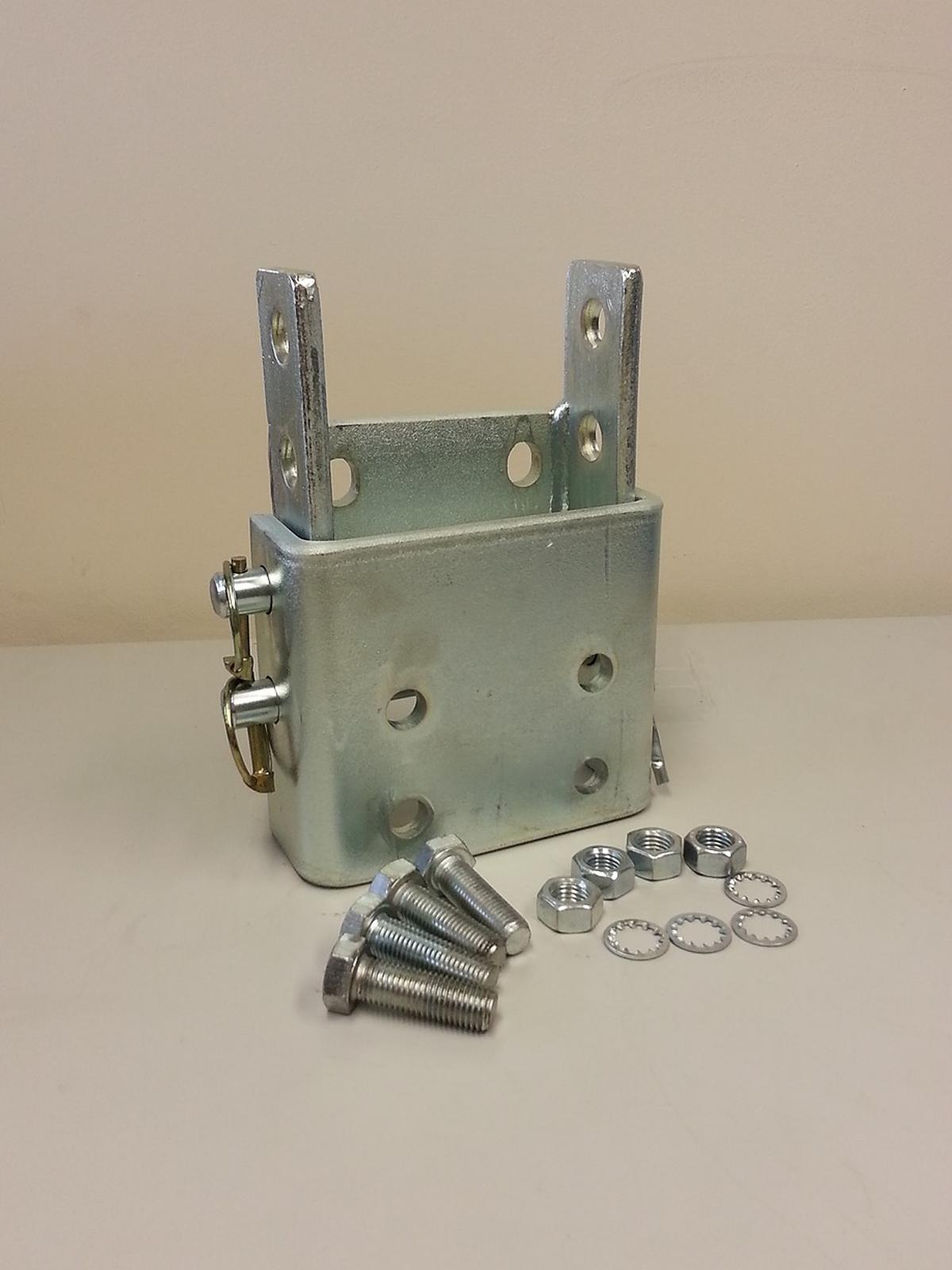 TOWBAR ADJUSTABLE HEIGHT COUPLING WITH BOLTS