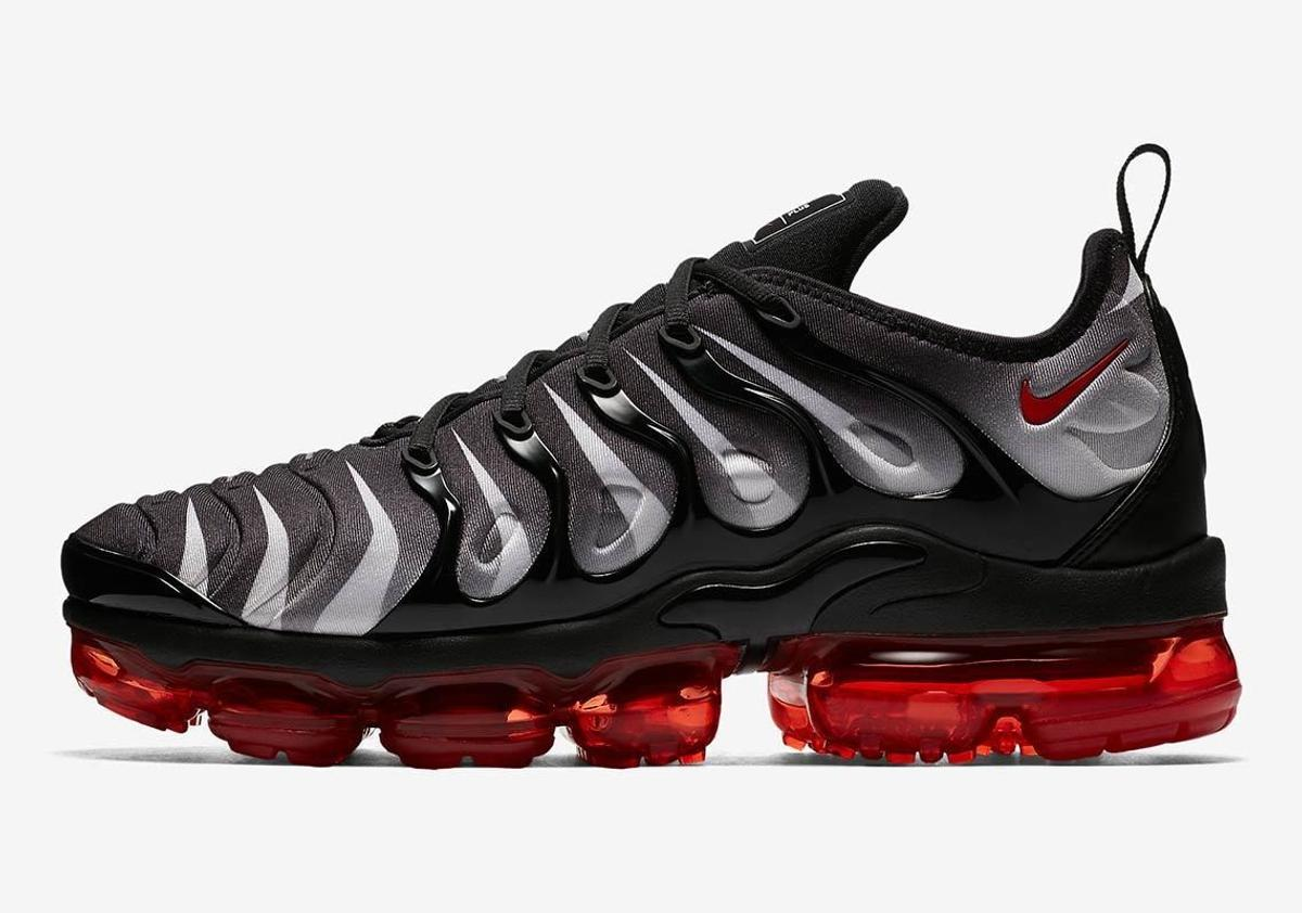 the latest eb6f4 c7b64 NIKE AIR VAPORMAX PLUS RED & BLACK SHARK BITE in SW6 Fulham ...