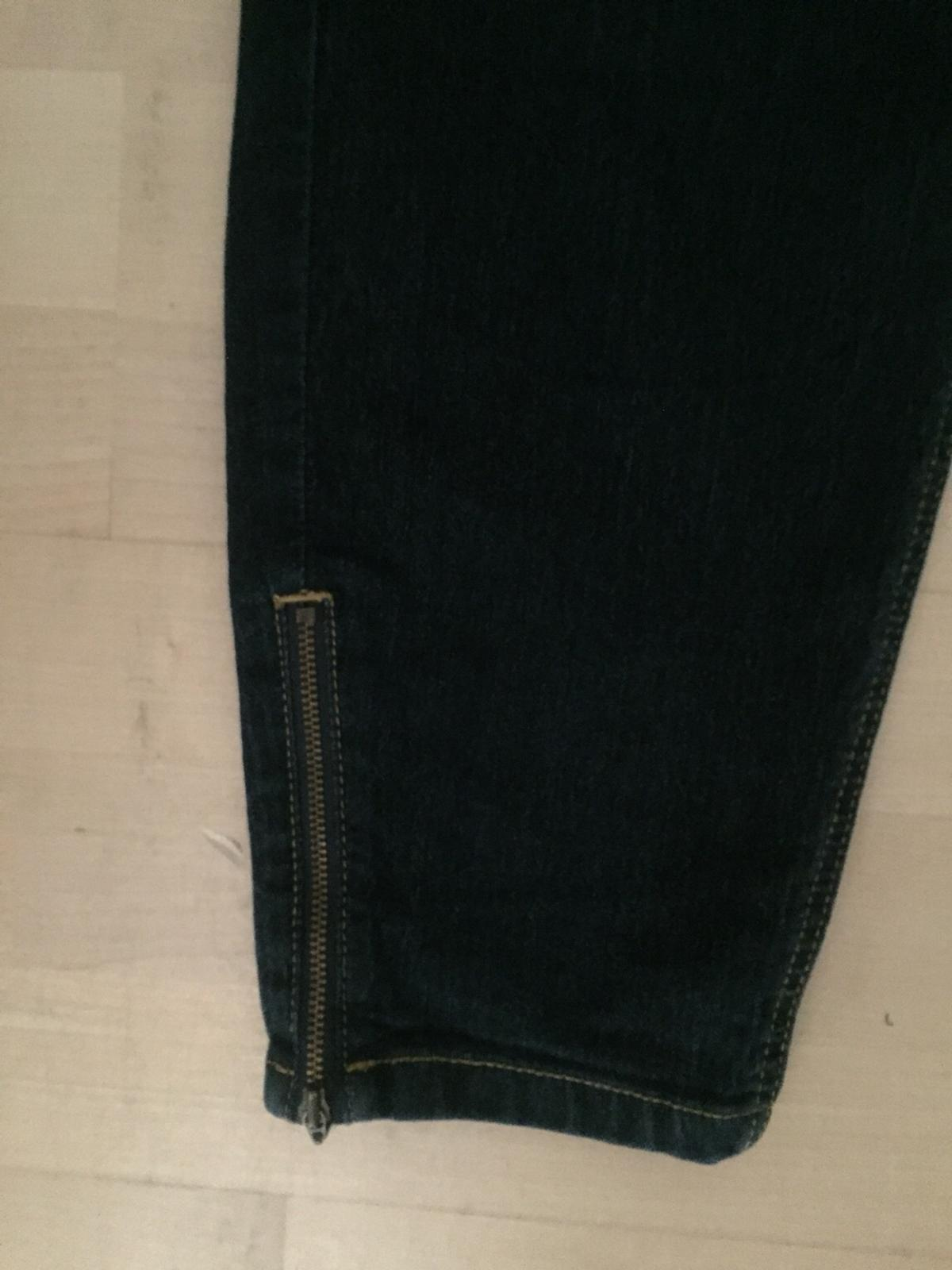 Dunkle Jeans 44 c&a