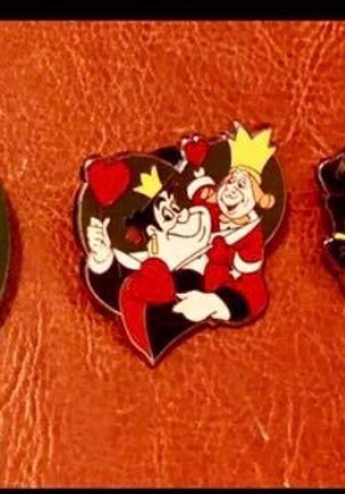 Disney Queen & King of Hearts pin
