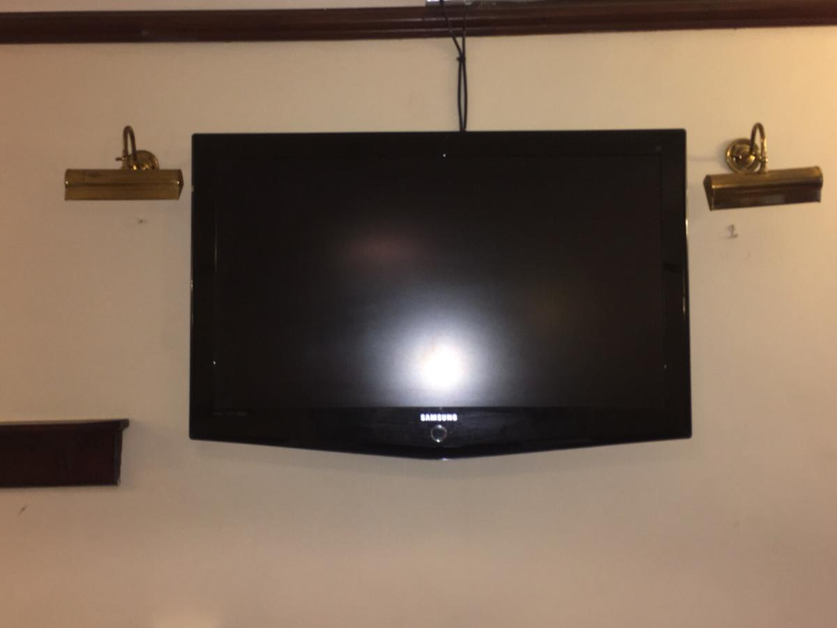Samsung 40inch TV model LE40R73 in WF4 Wakefield for £90 00 for sale