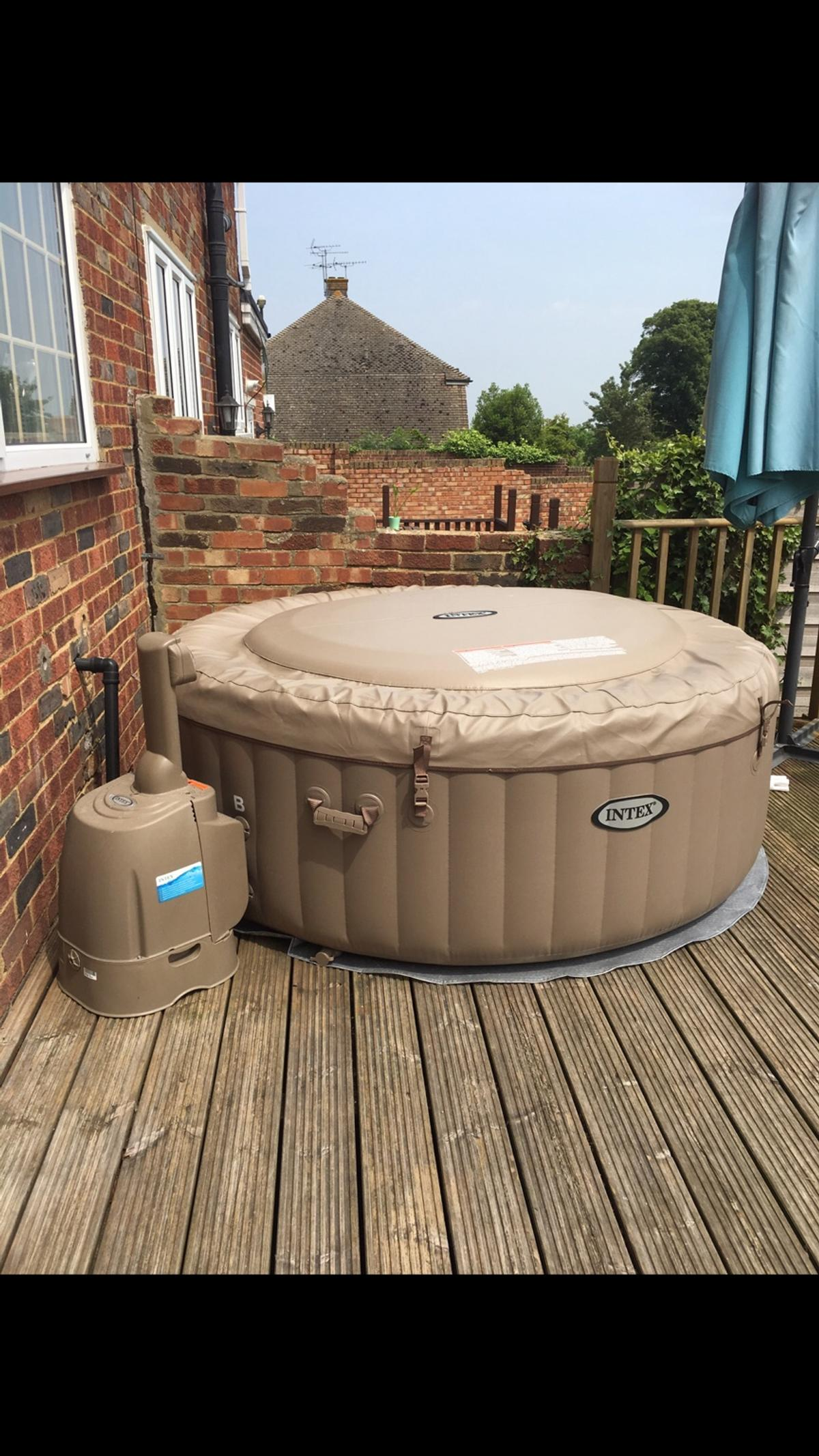 Intex Pure Spa Hot Tub Bargain In Me8 Gillingham For 300 00