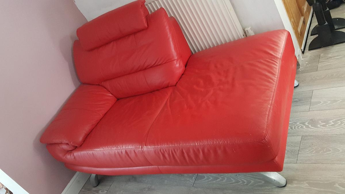 - Dfs Red Leather Day Bed/chaise Lounge In DL1 Darlington Für 45,00