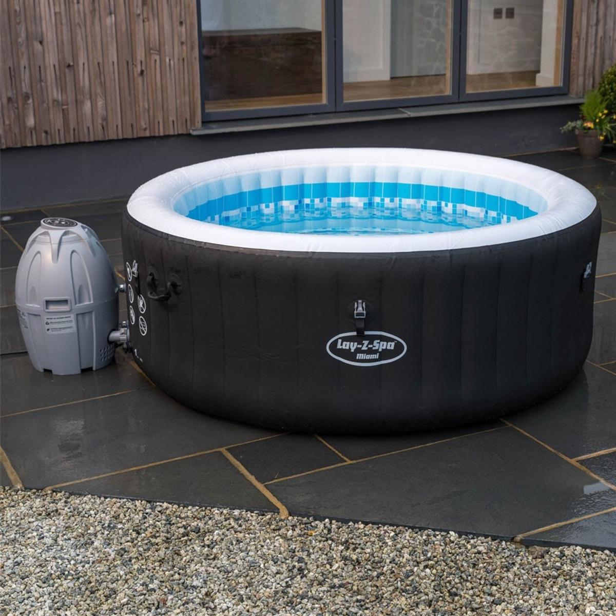 Nykomna Lay-Z Spa Miami Hot Tub in DN22 Bassetlaw for £250.00 for sale WE-57