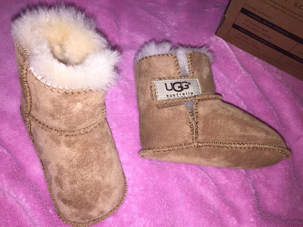 sports shoes 14ba0 a938e Ugg Stiefel Baby Gr 17 18 in 6020 Innsbruck for €20.00 for ...