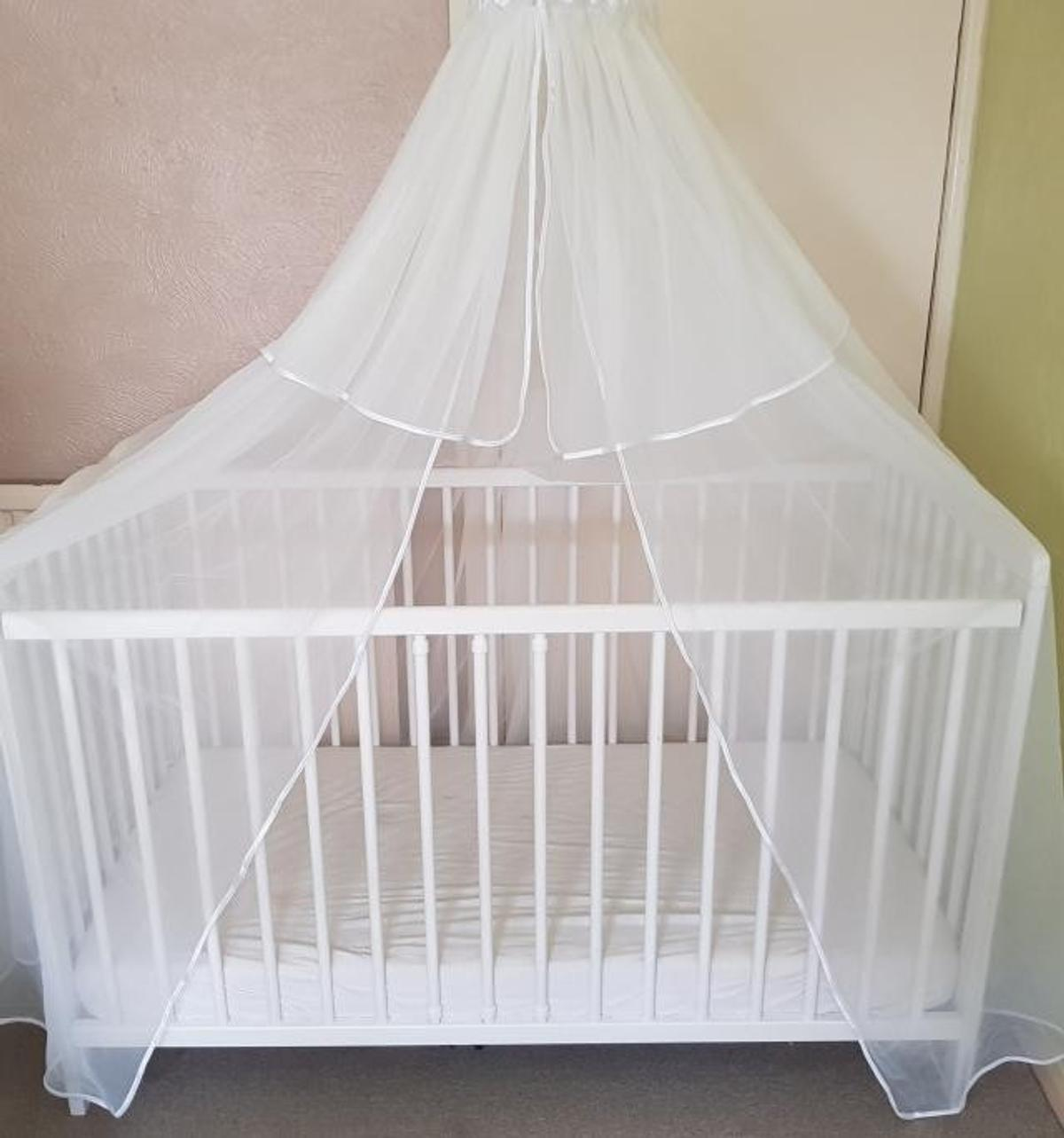 - NEED GONE. Cot/bed - Canopy- Bedding In CT11 Thanet Für £ 50,00