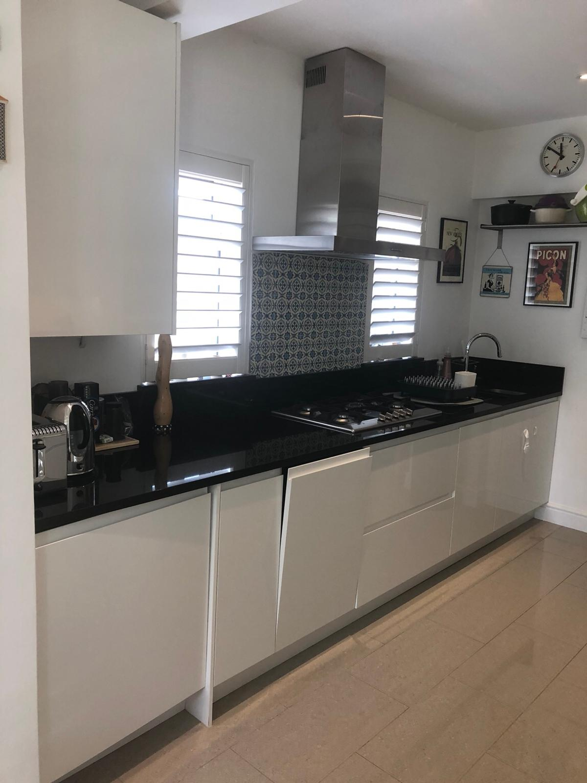 Howdens White Gloss Kitchen Bayswater In Se23 Lewisham For 1 500 00 For Sale Shpock