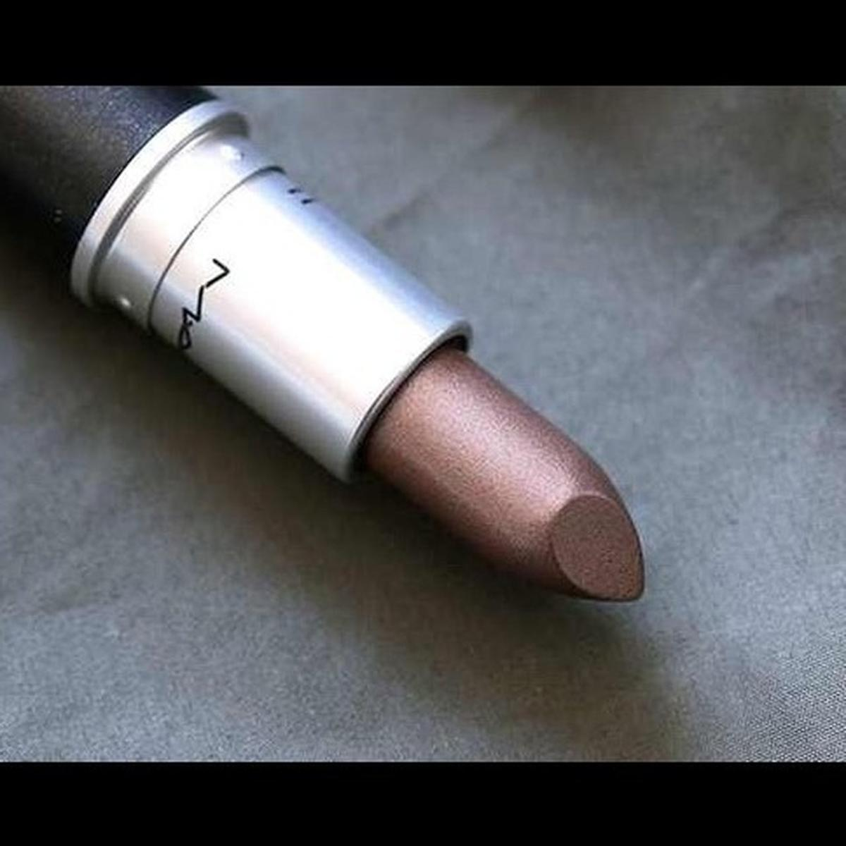 Mac lipstick in NW11 Barnet for £10.00