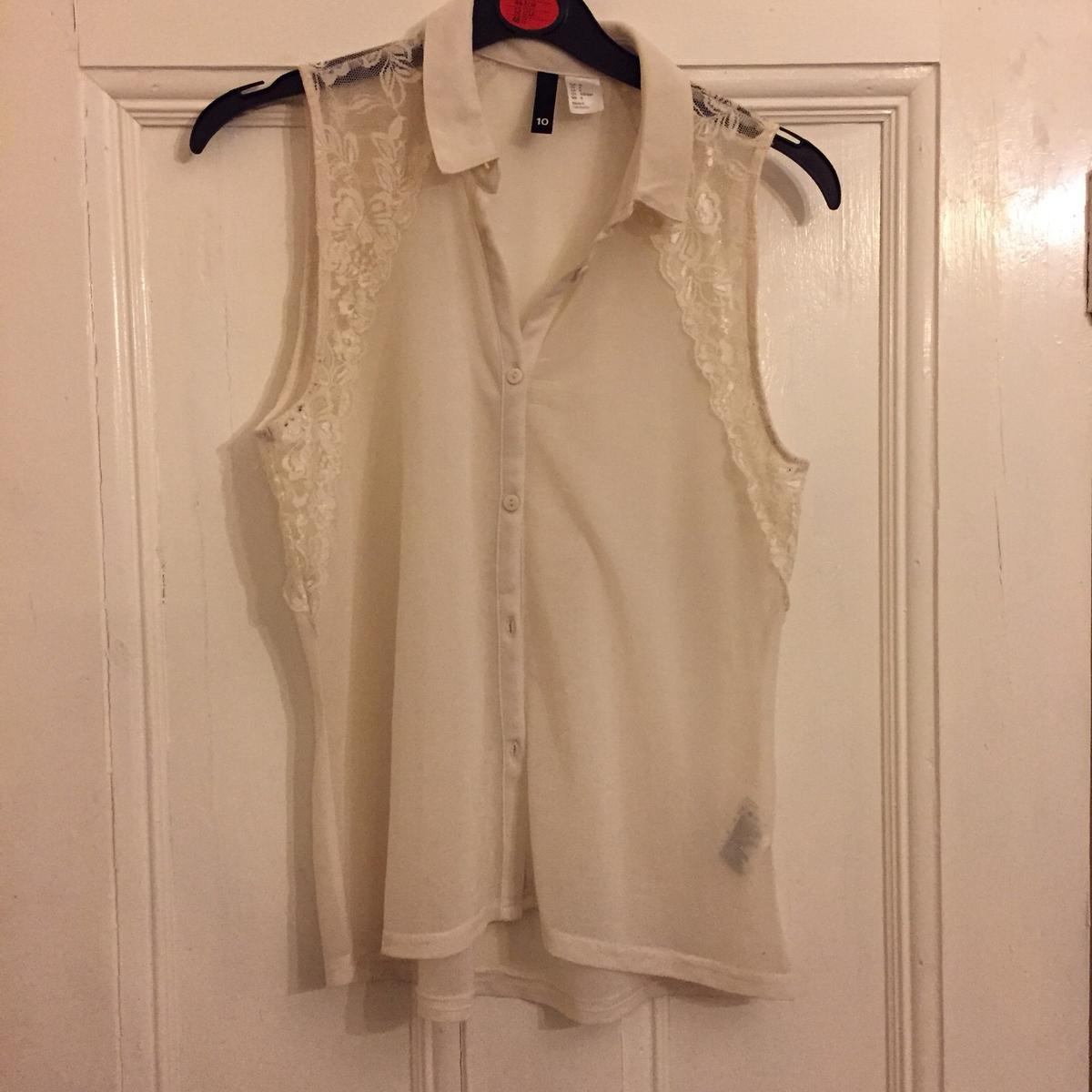 5fcc47d48c2548 H&M white chiffon top with some lace... in SW17 Wandsworth for £4.00 ...