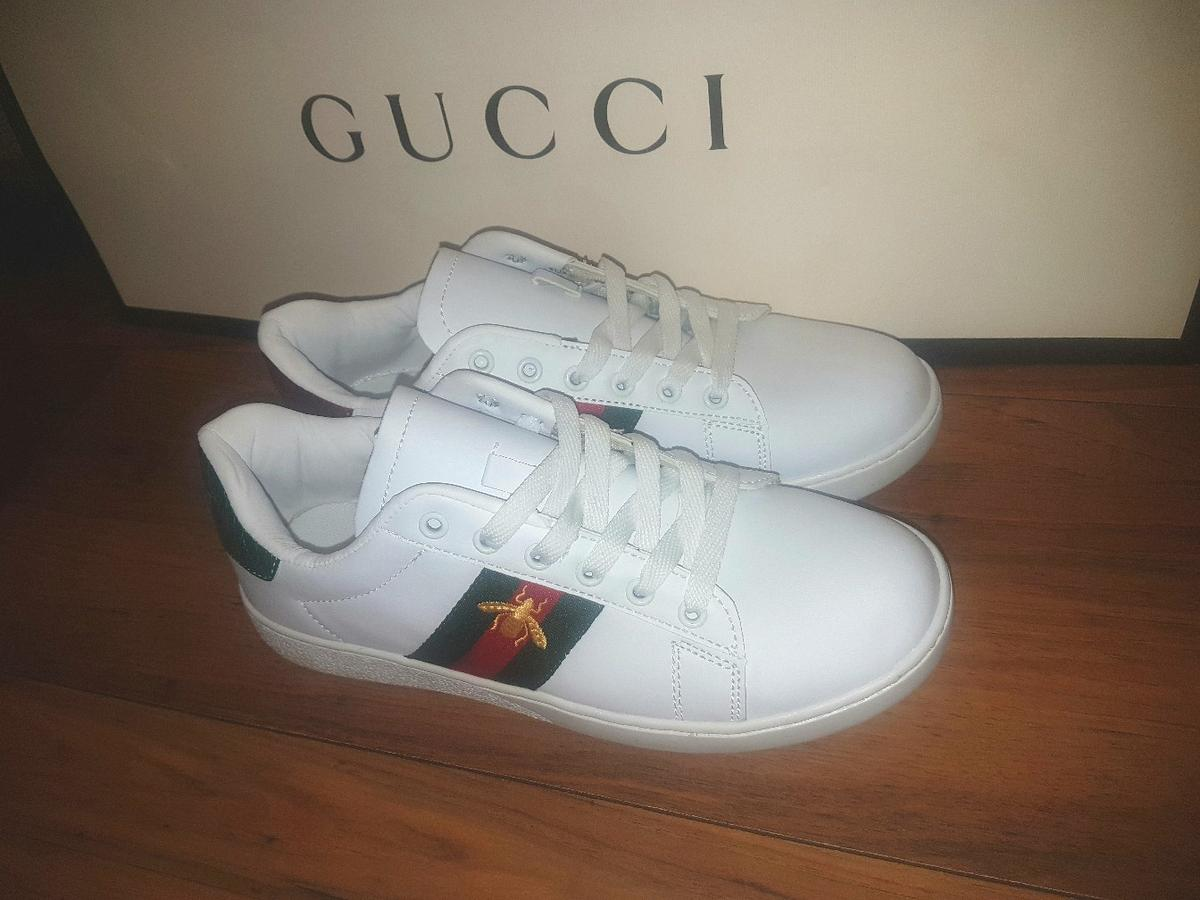 18be75f7fa3 Gucci Bee trainers sneakers