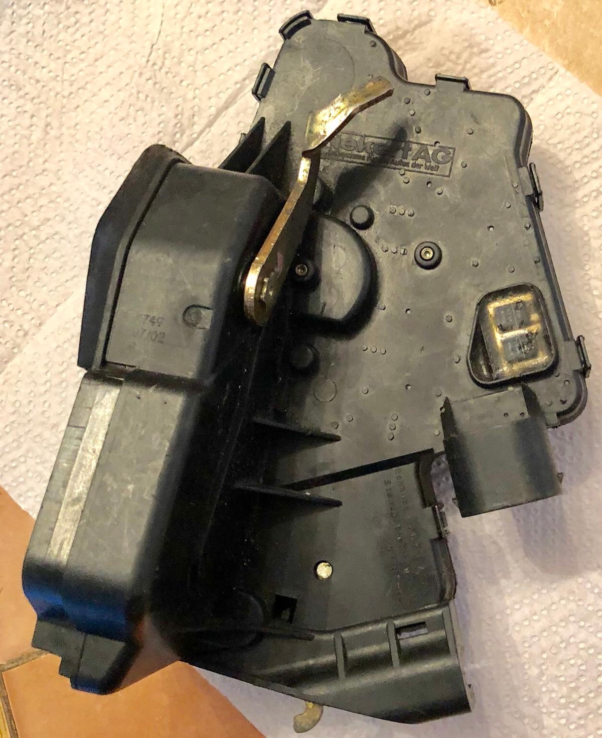 BMW E46 Door lock right hand side front in E15 London for