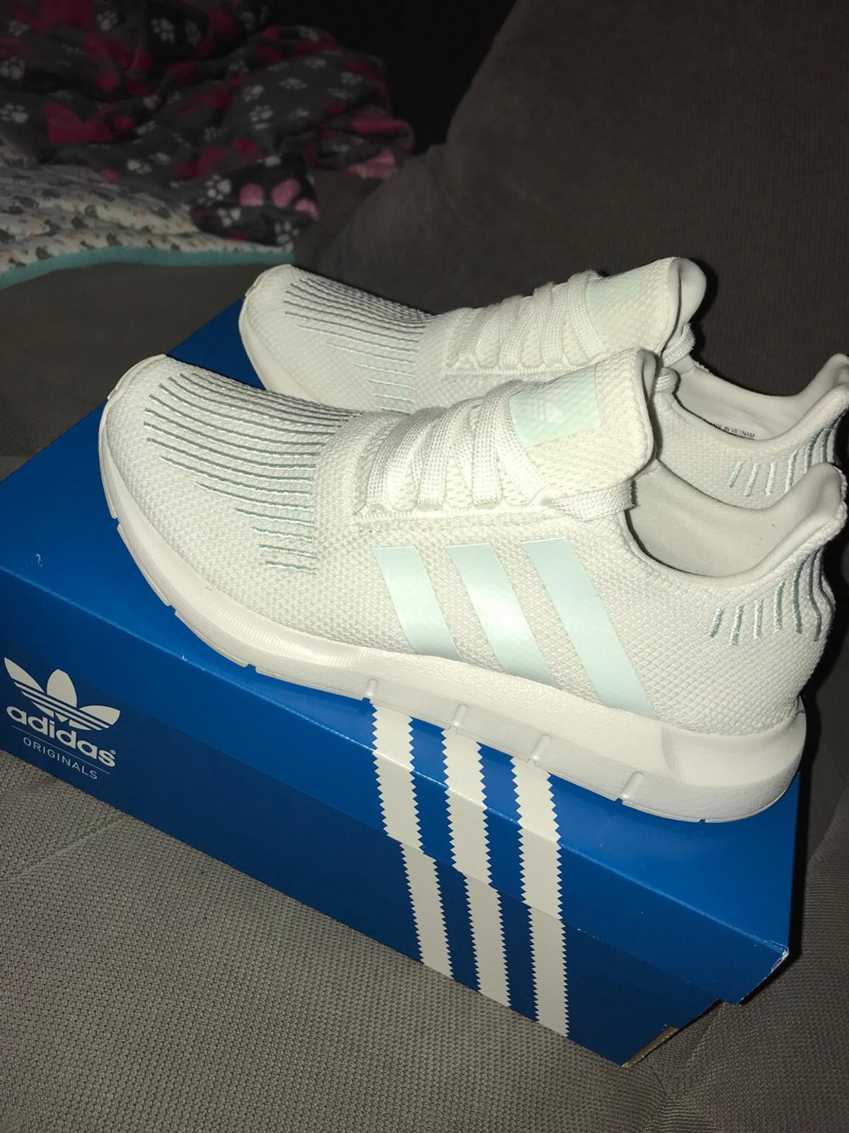 Adidas Swift Run W in 4833 Petingen for €55.00 for sale | Shpock