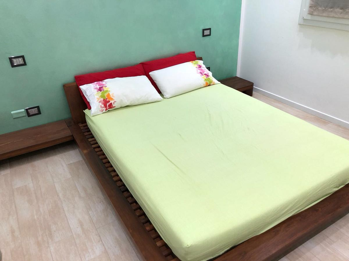 Letto Futon Matrimoniale.Letto Futon Matrimoniale In 40051 Malalbergo For 540 00 For Sale