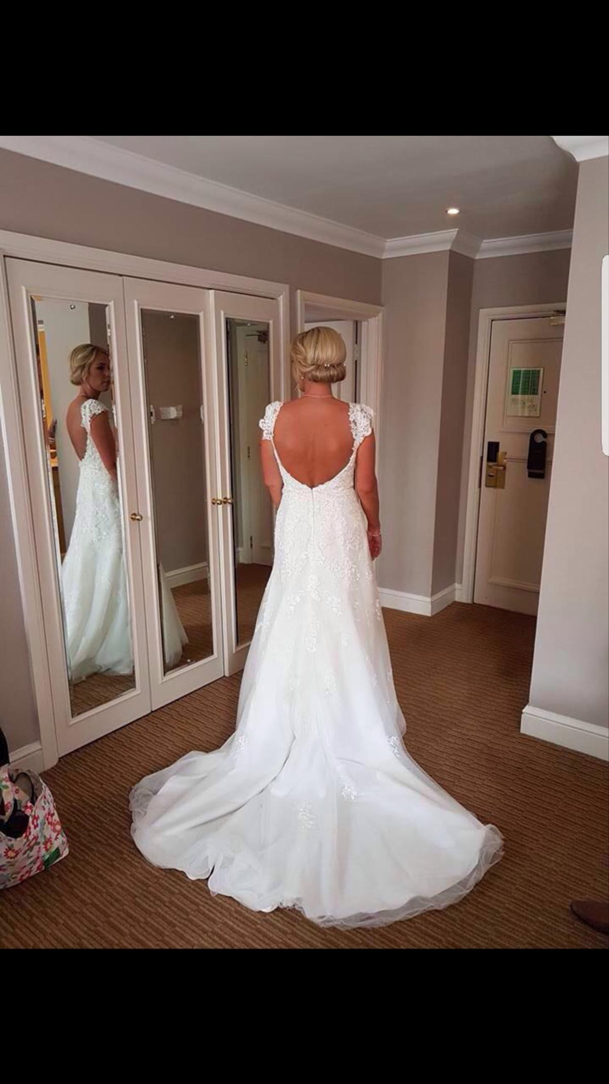 A Beautiful Alfred Angelo Wedding Dress In B62 Dudley For 150 00