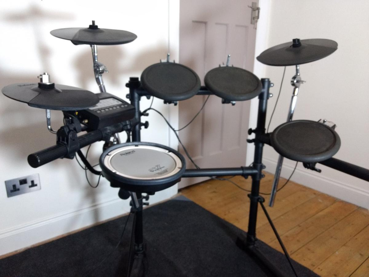 Electronic Drum Roland TD3KW, (without kick) in KT1 Thames