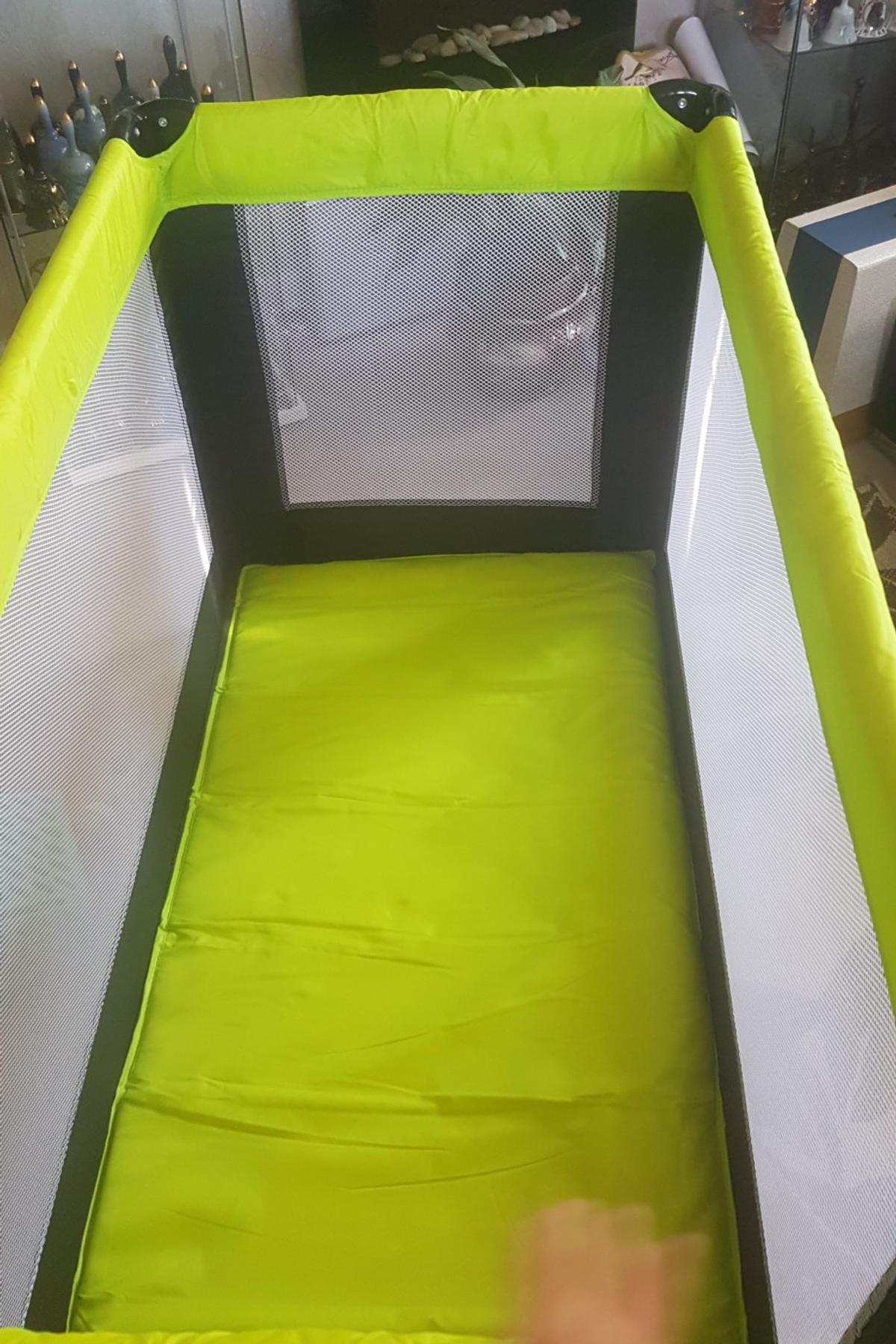 best service 74136 f42fb iSafe Rest & Play Luxury Travel Cot/Playpen