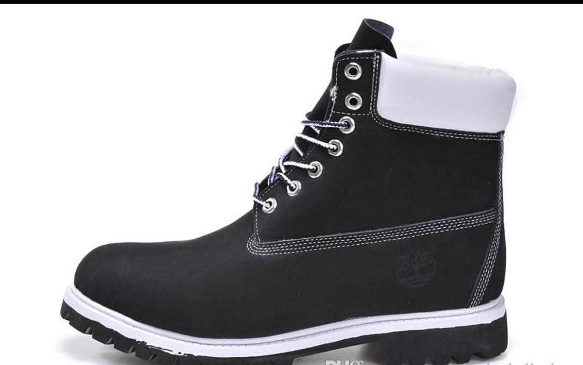 Customised Black and White Timberlands (Vario in LU1 Luton