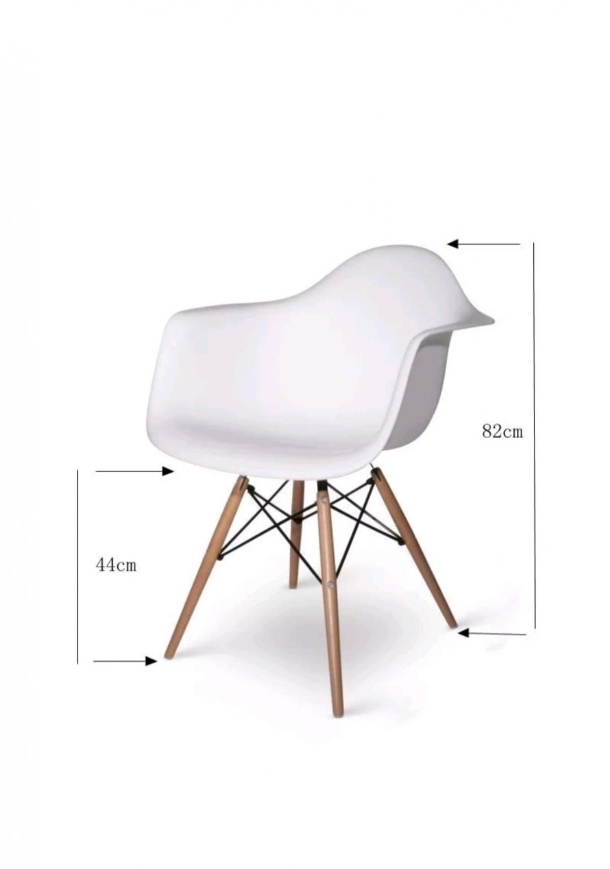 Eames Style White Chair In Ng3