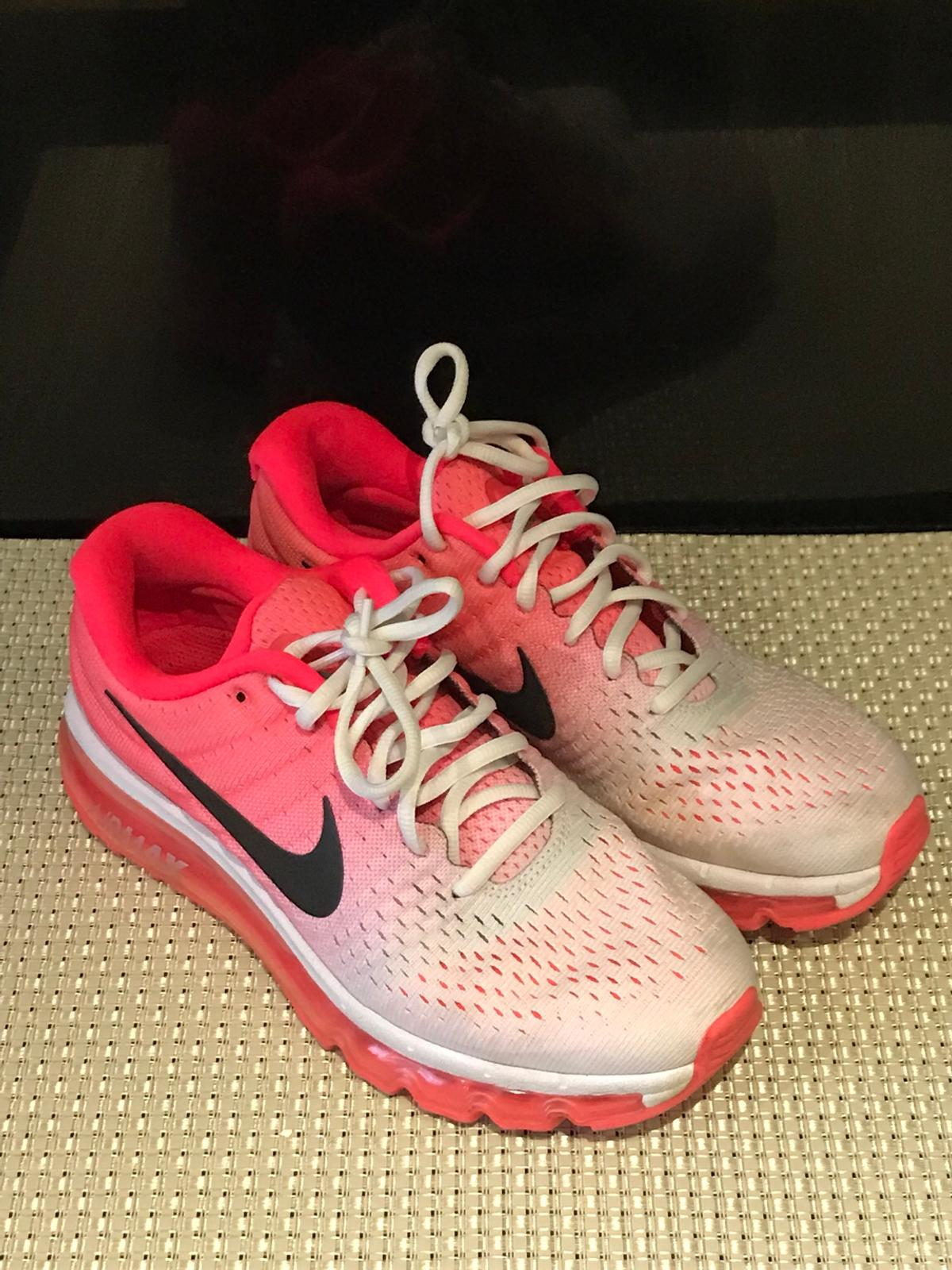 Women's Nike air max trainers shoes sneakers in LU2 Wigmore
