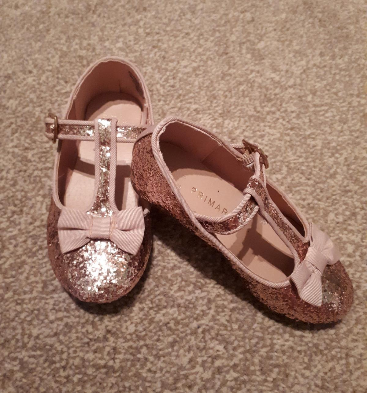 44b0dcb8 Girls glittery party shoes in B36 Solihull for £3.00 for sale - Shpock