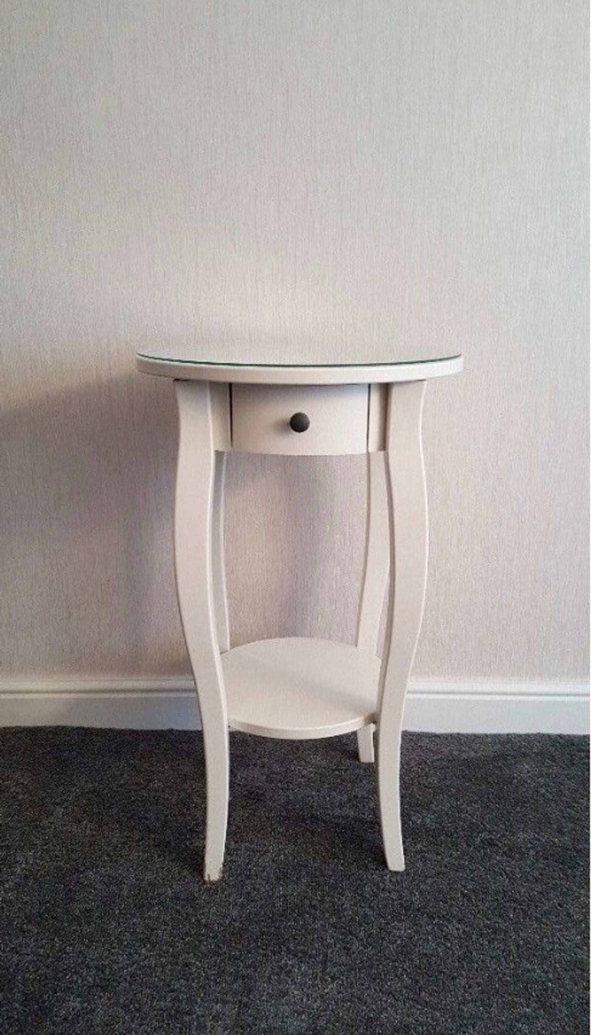 Bedside Round Table.Hemnes Round Bedside Table