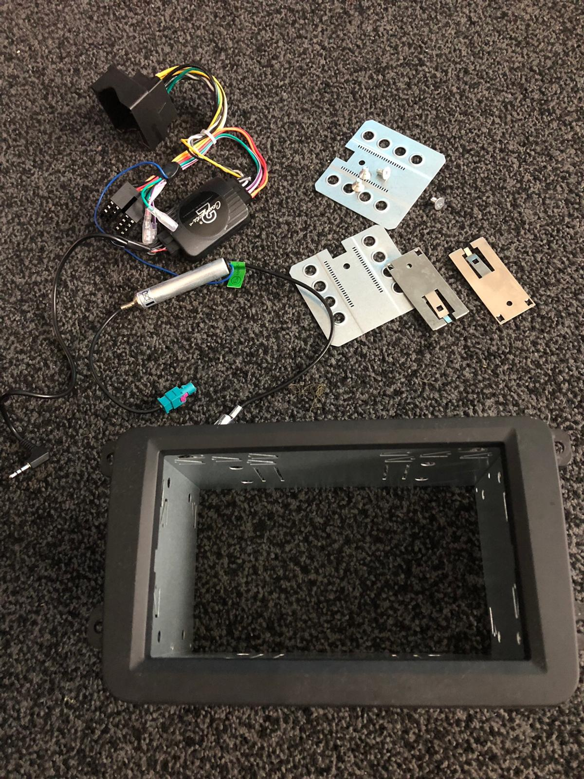 Vw double din after market stereo adaptor kit in DE7 Valley