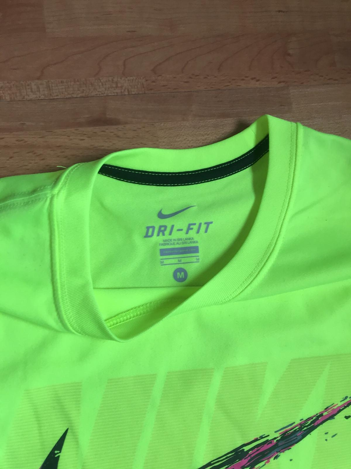competitive price really cheap sale NIKE Shirt und Hose Outfit - Größe M/L