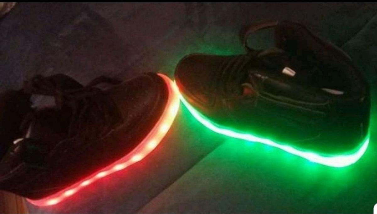 purchase cheap 83468 ffa67 Zauberhafte LED Schuhe