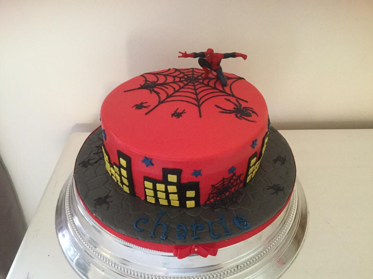 Tremendous Cakes Made To Order In East Tilbury For 1 50 For Sale Shpock Personalised Birthday Cards Paralily Jamesorg