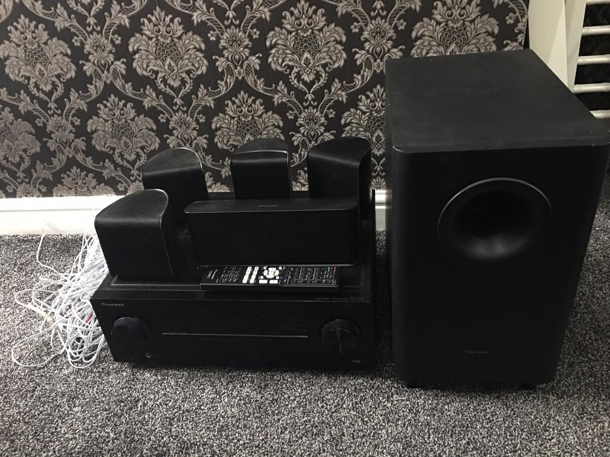 Pioneer vsx-324 speaker and amplifier package in M15