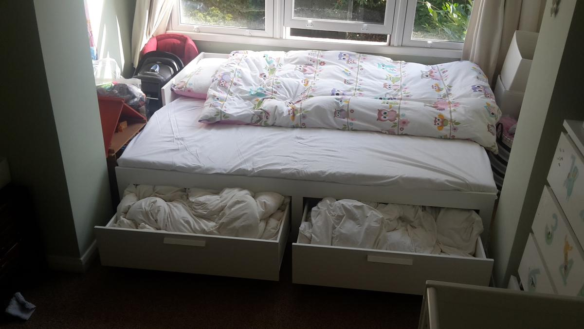 Ikea Brimnes Day Bed W 2 Drawers 2 Mattresse In N4 Haringey For 150 00 For Sale Shpock