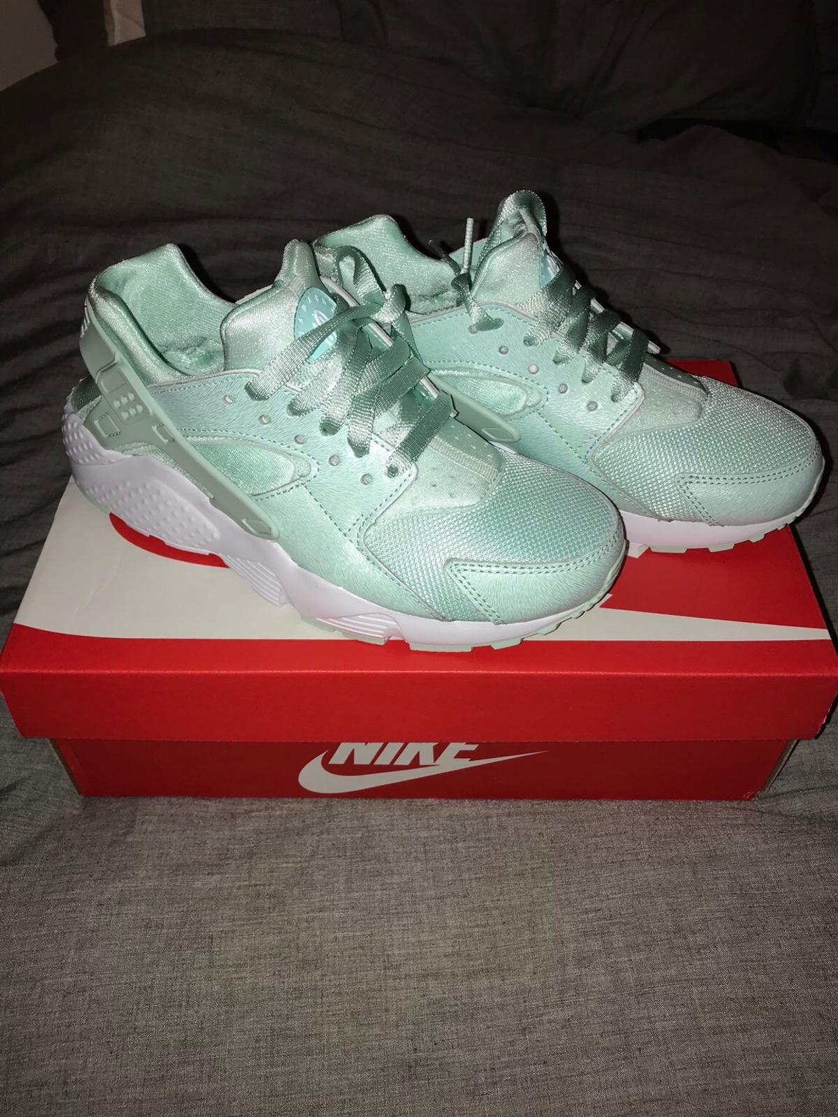 sports shoes 0c4aa 2d258 Size 5 Nike green hurraches. Brand new. in TW1 London for £30.00 for ...