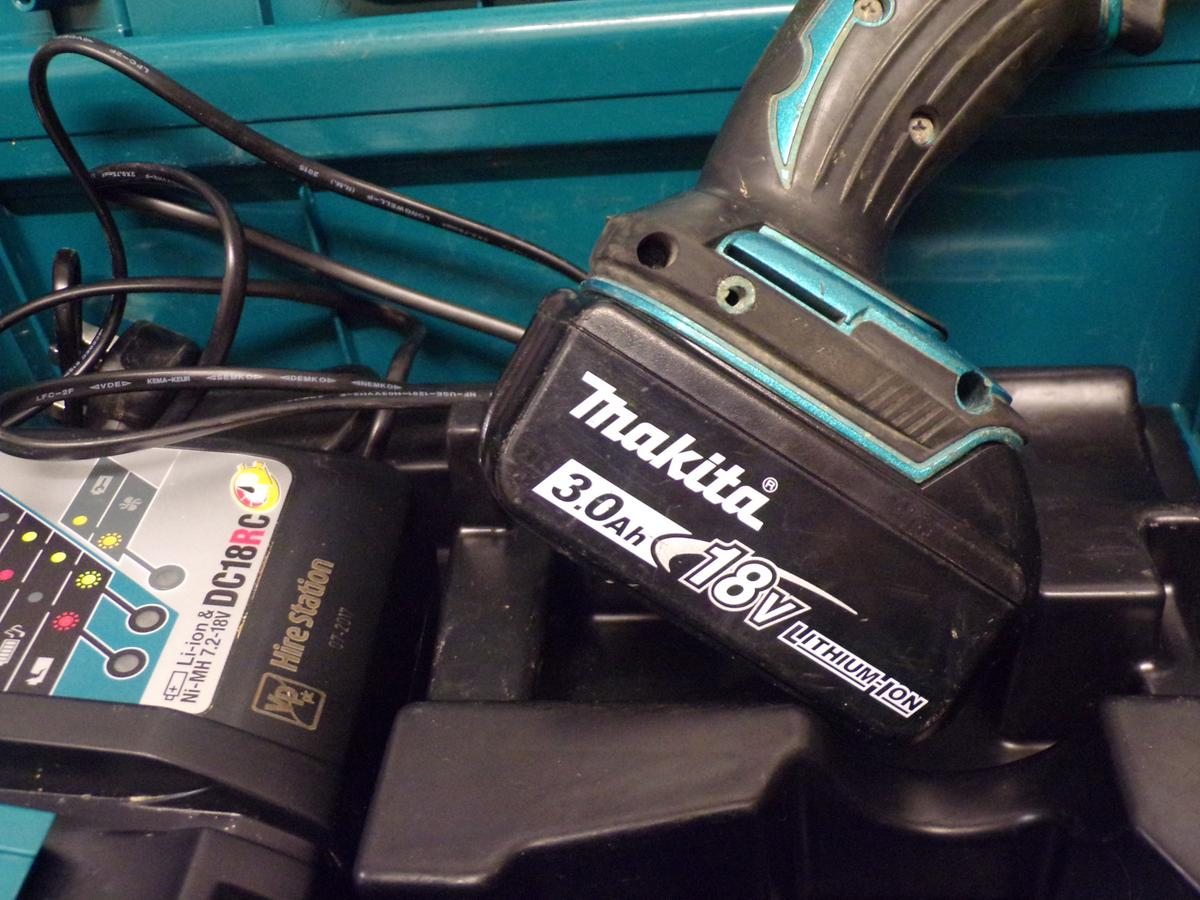 MAKITA DHP456, BATTERY AND CHARGER, COMES BOX in Horndon On